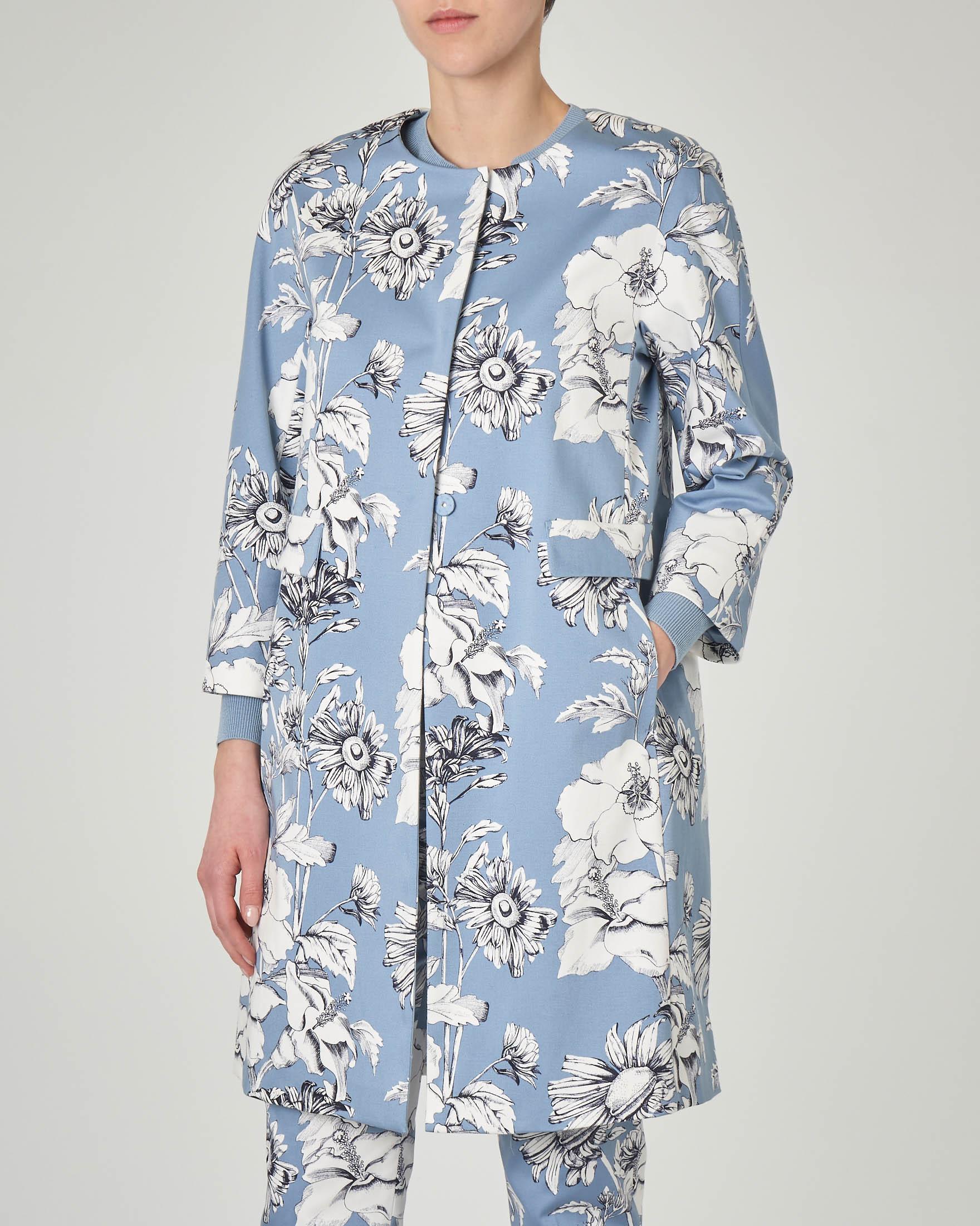 Spolverino azzurro in cotone elasticizzato a stampa floreale