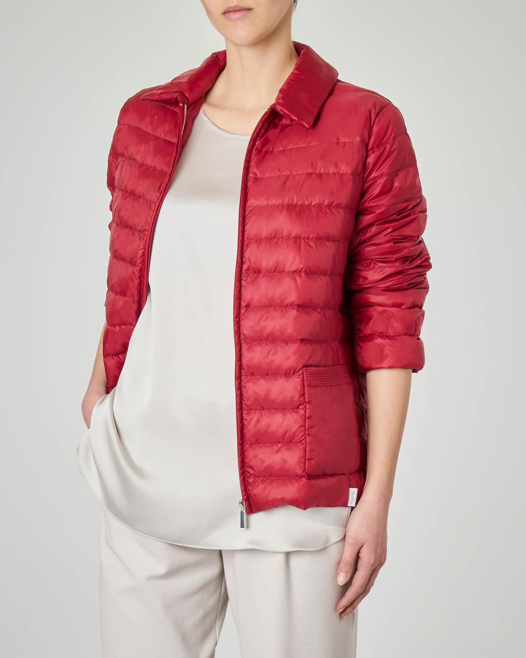 Piumino leggero rosso con colletto a camicia