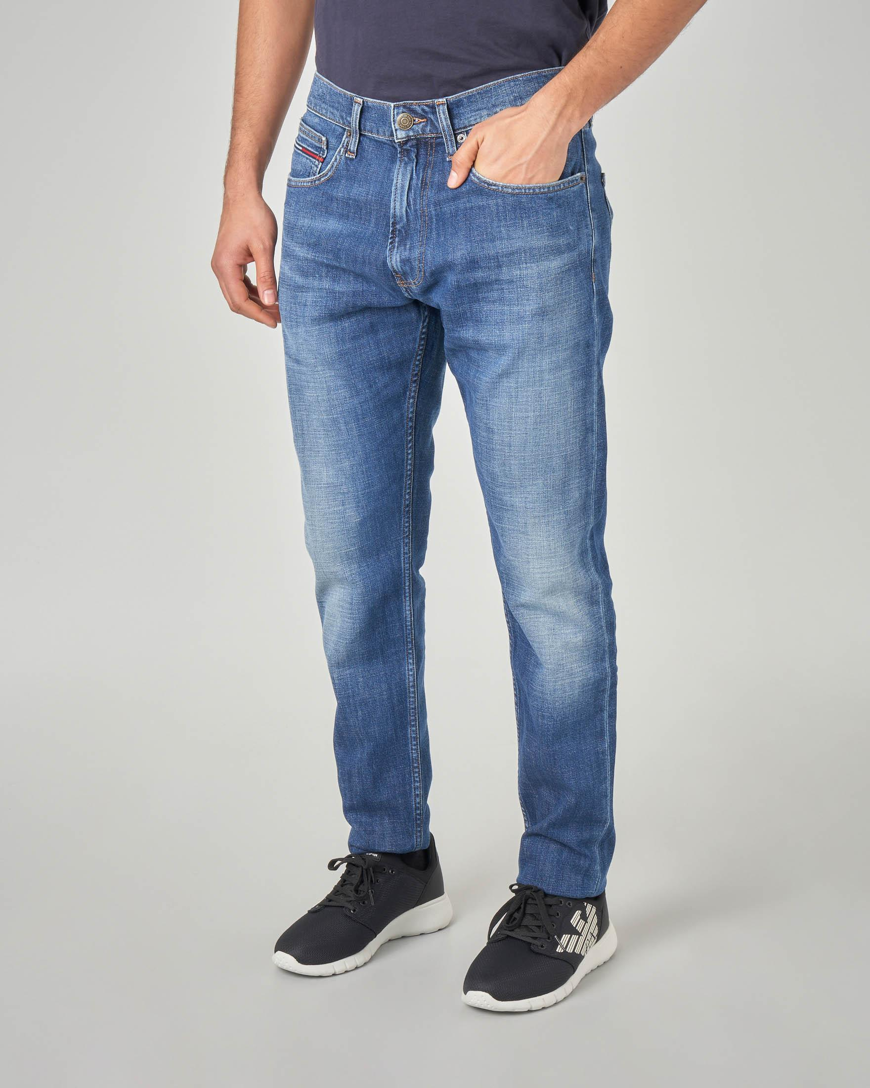 Jeans tapered lavaggio stone wash