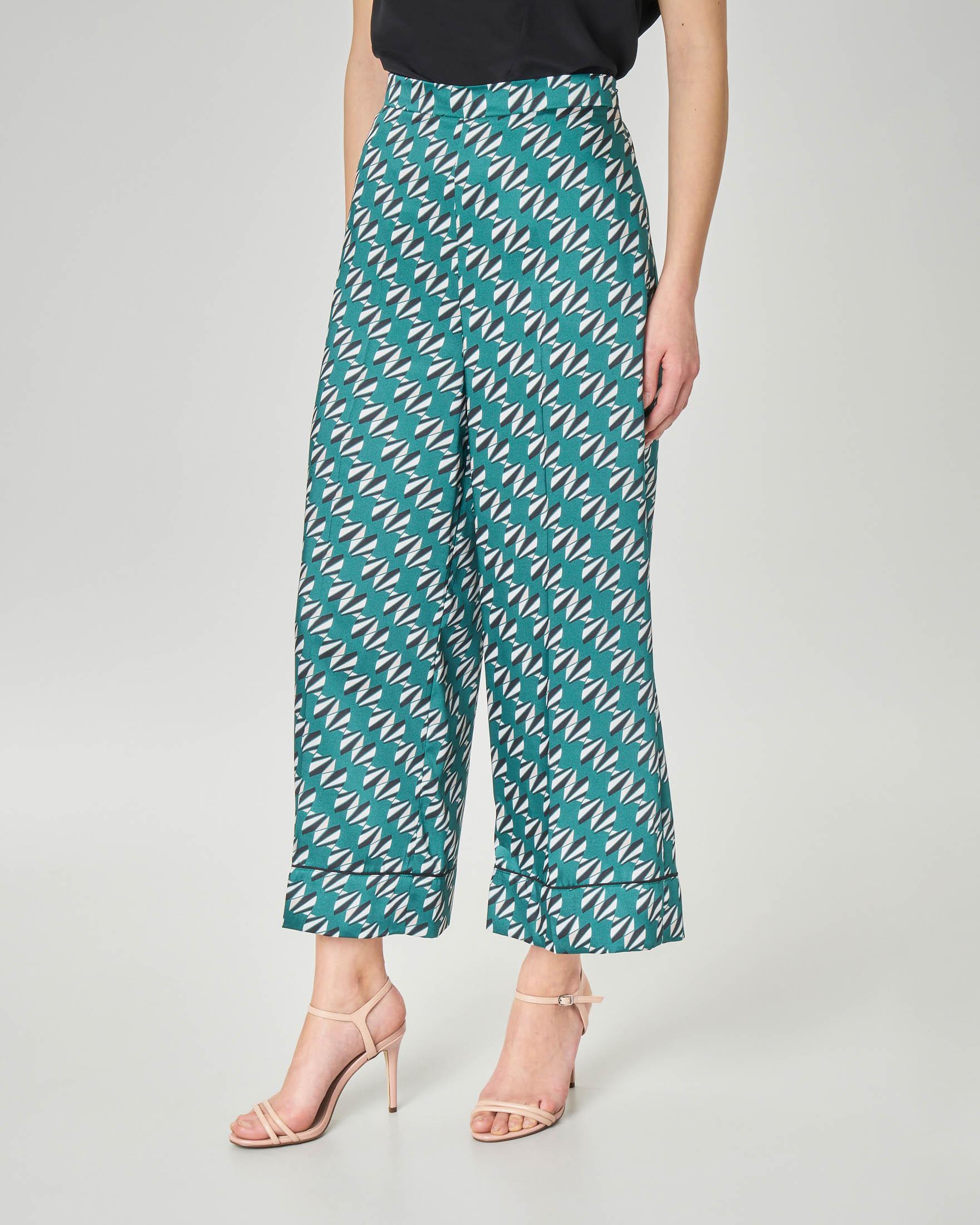 Pantaloni culotte verdi a stampa geometrica in tessuto effetto raso