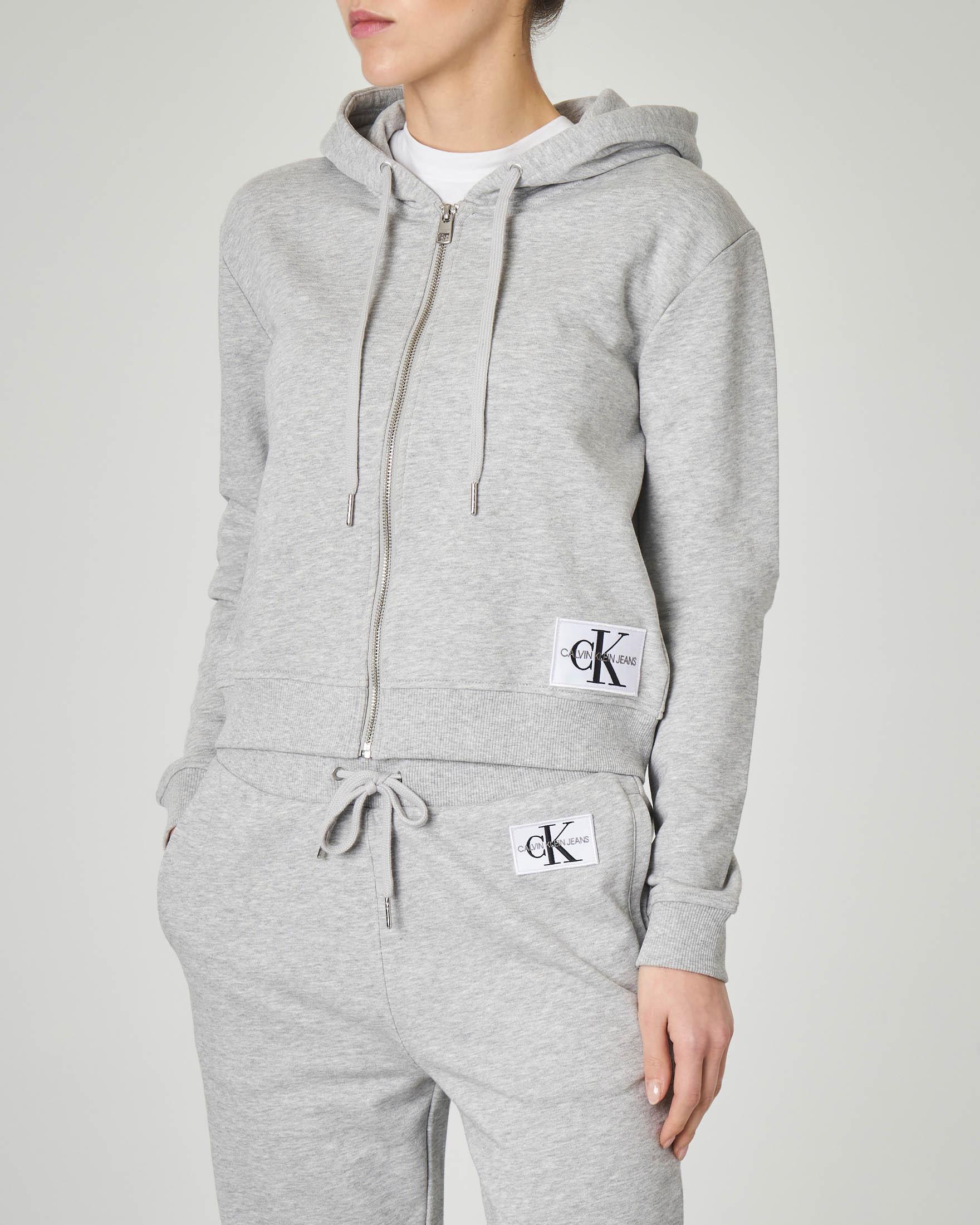 Felpa grigia in jersey di cotone con cappuccio e patch logo