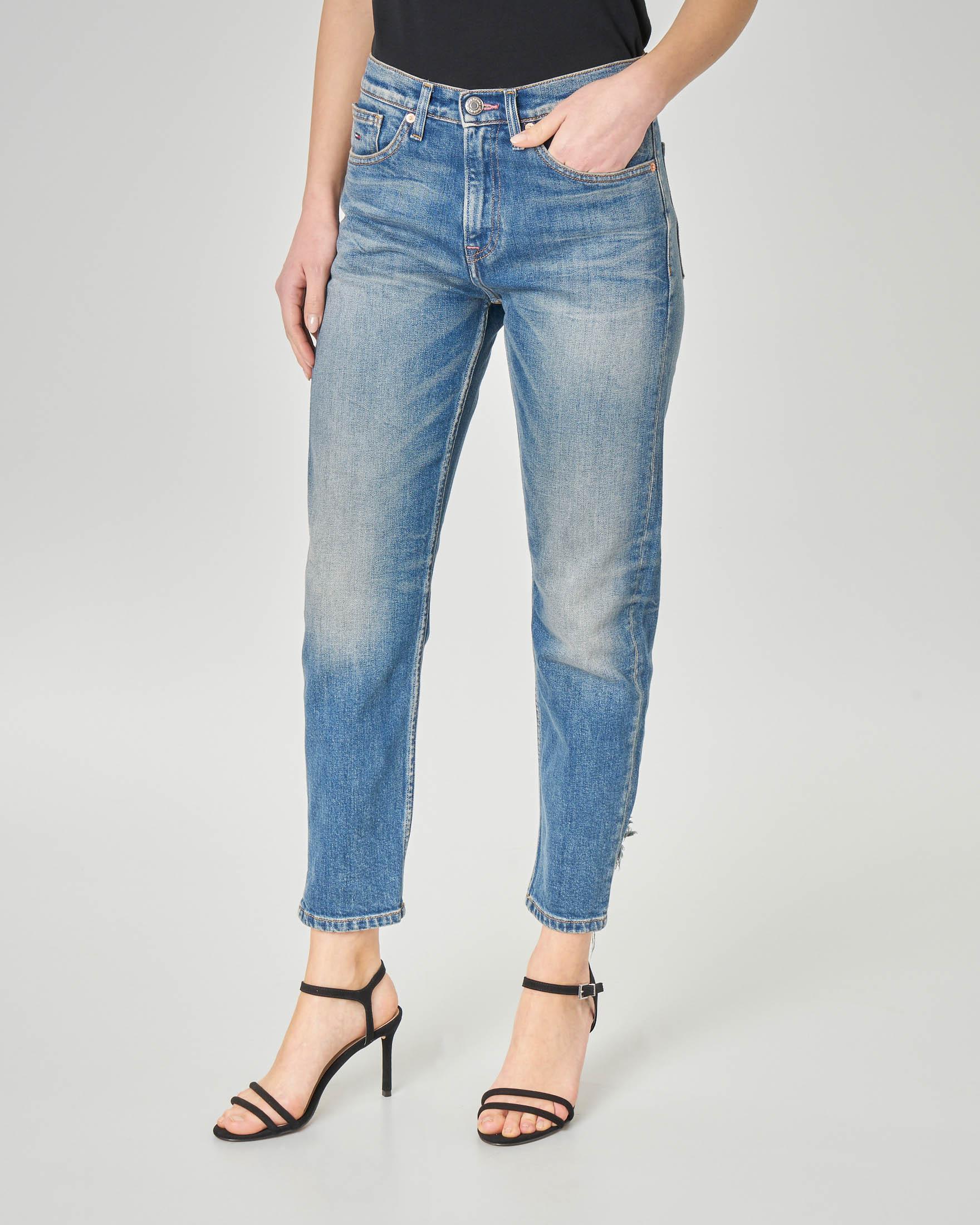 Jeans straight lavaggio color the con rotture sul fondo