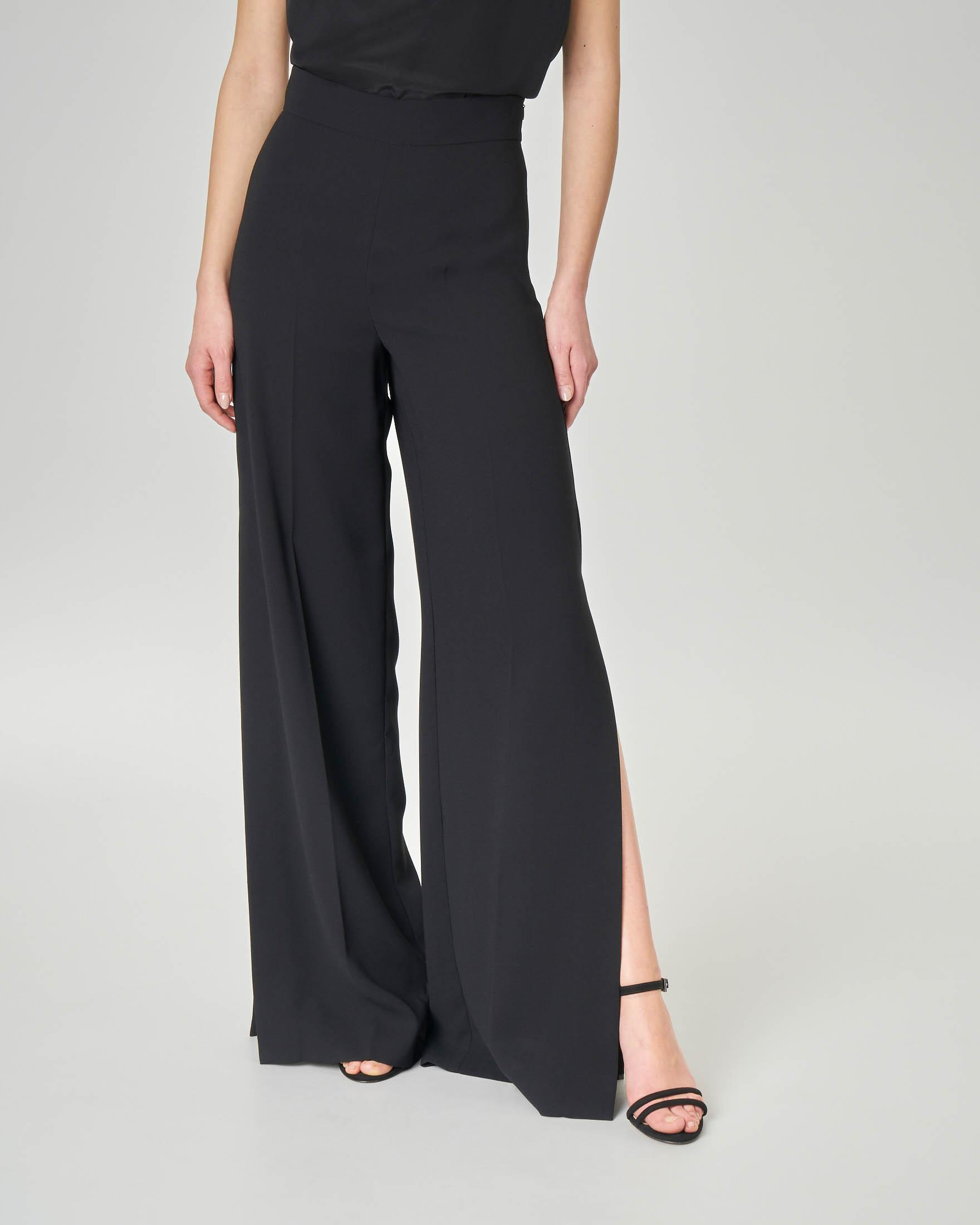Pantaloni in cady neri con spacco laterale