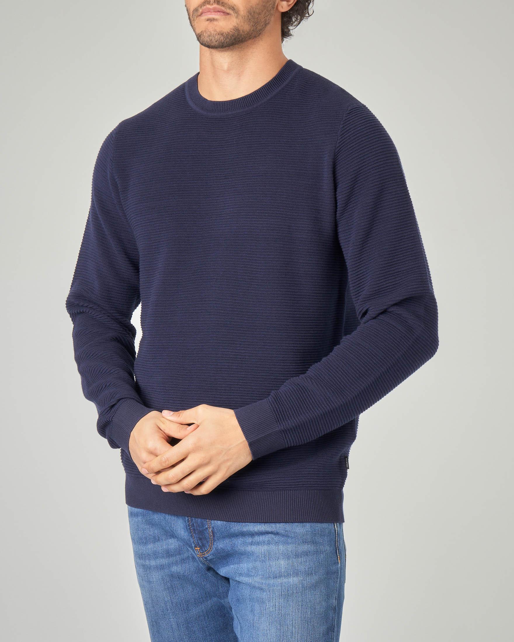 Maglia blu girocollo con riga in rilievo