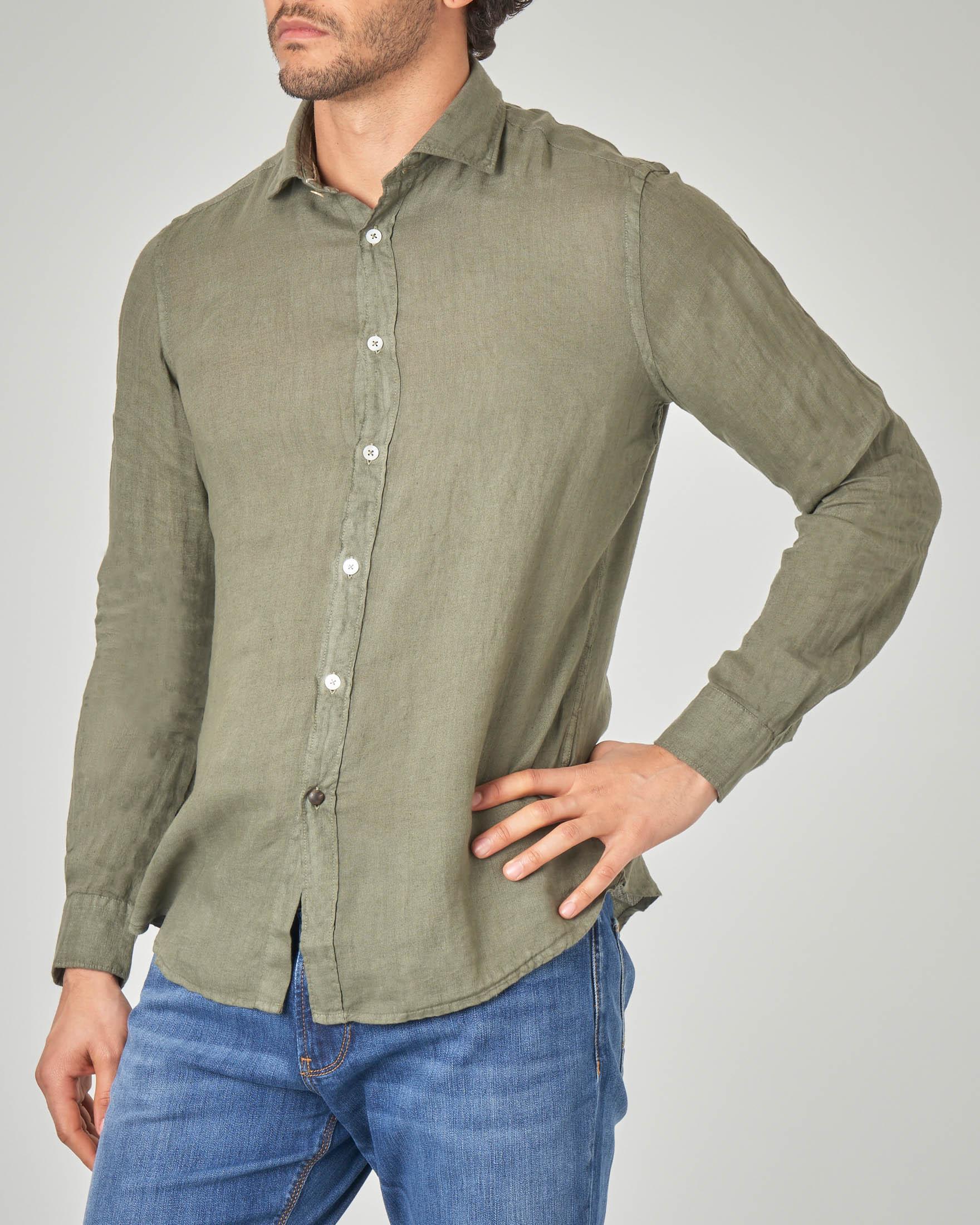 Camicia verde militare in lino