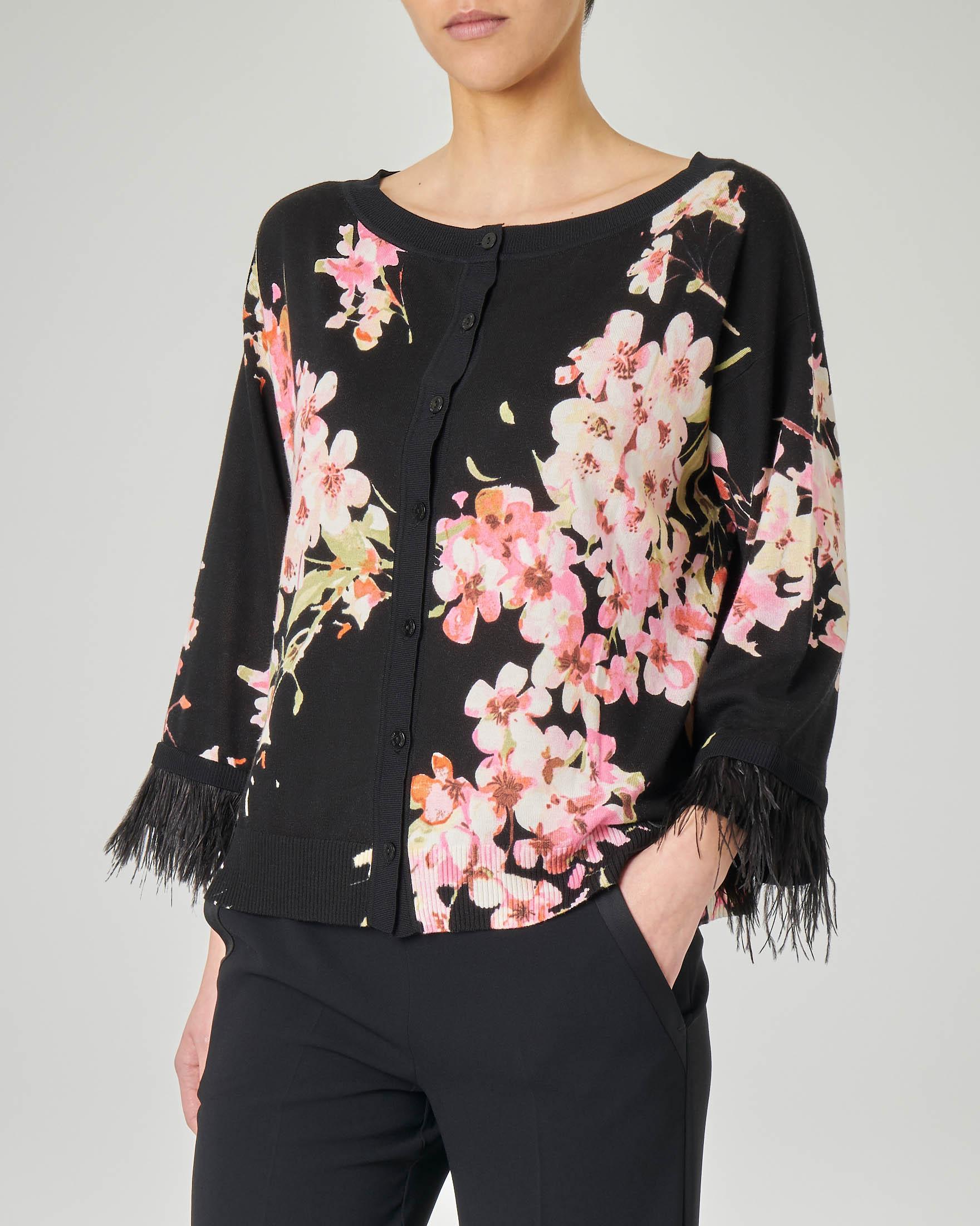 Cardigan nero in cotone misto viscosa a fantasia floreale rosa con piume