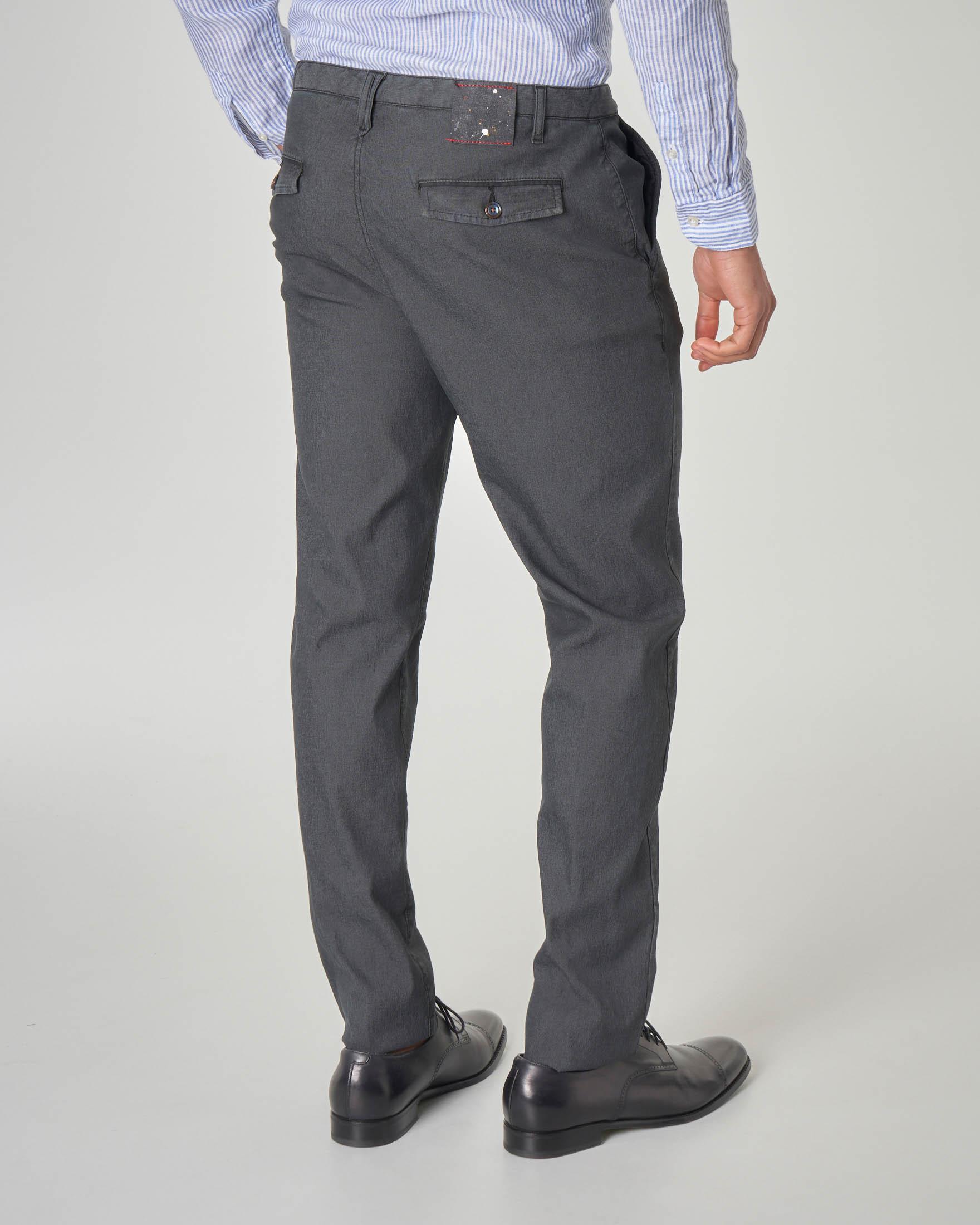 Pantalone chino grigio antracite in gabardina