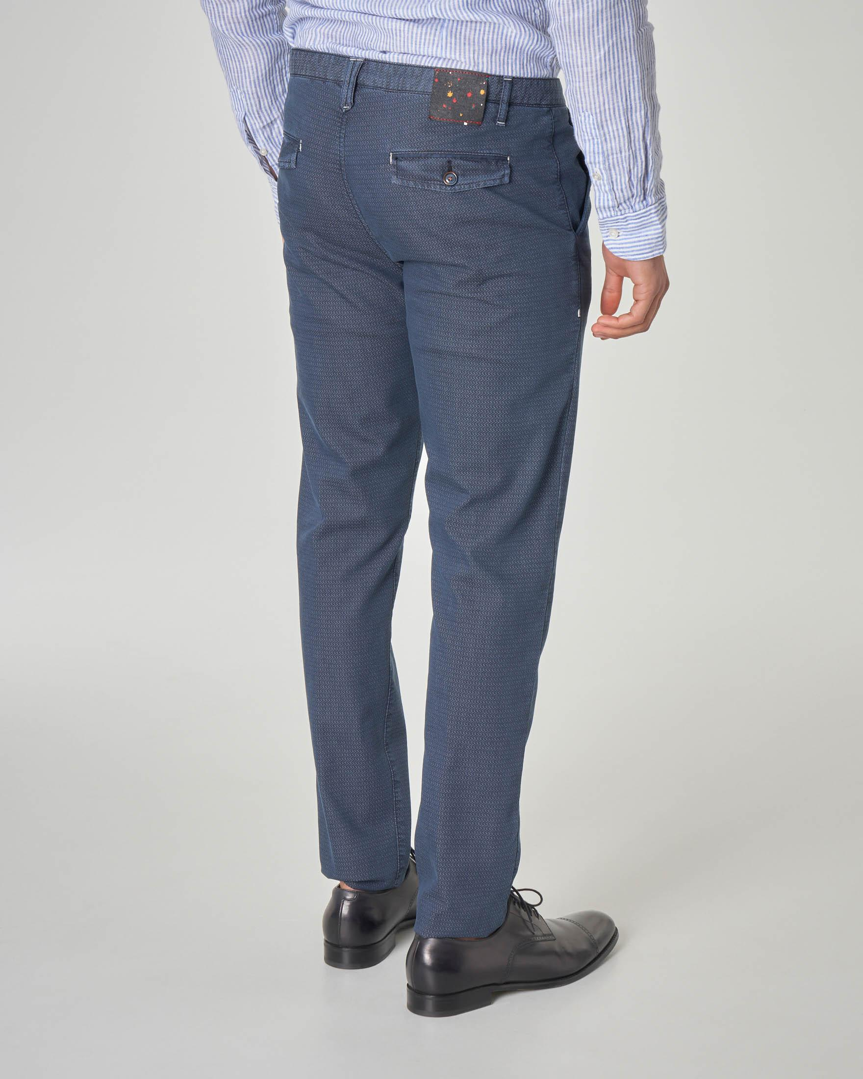 Pantalone chino blu micro-fantasia