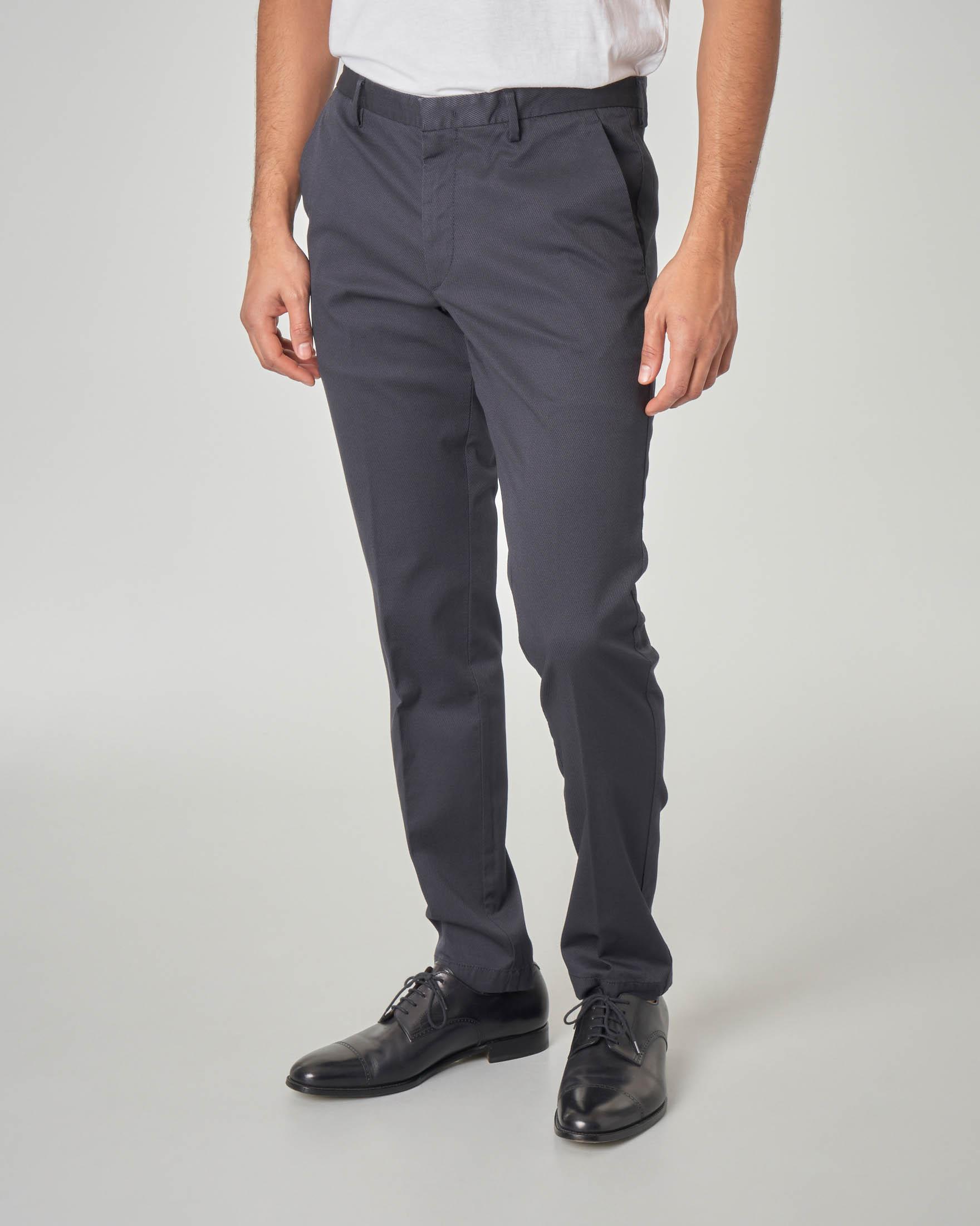 Pantalone chino blu in tessuto armaturato