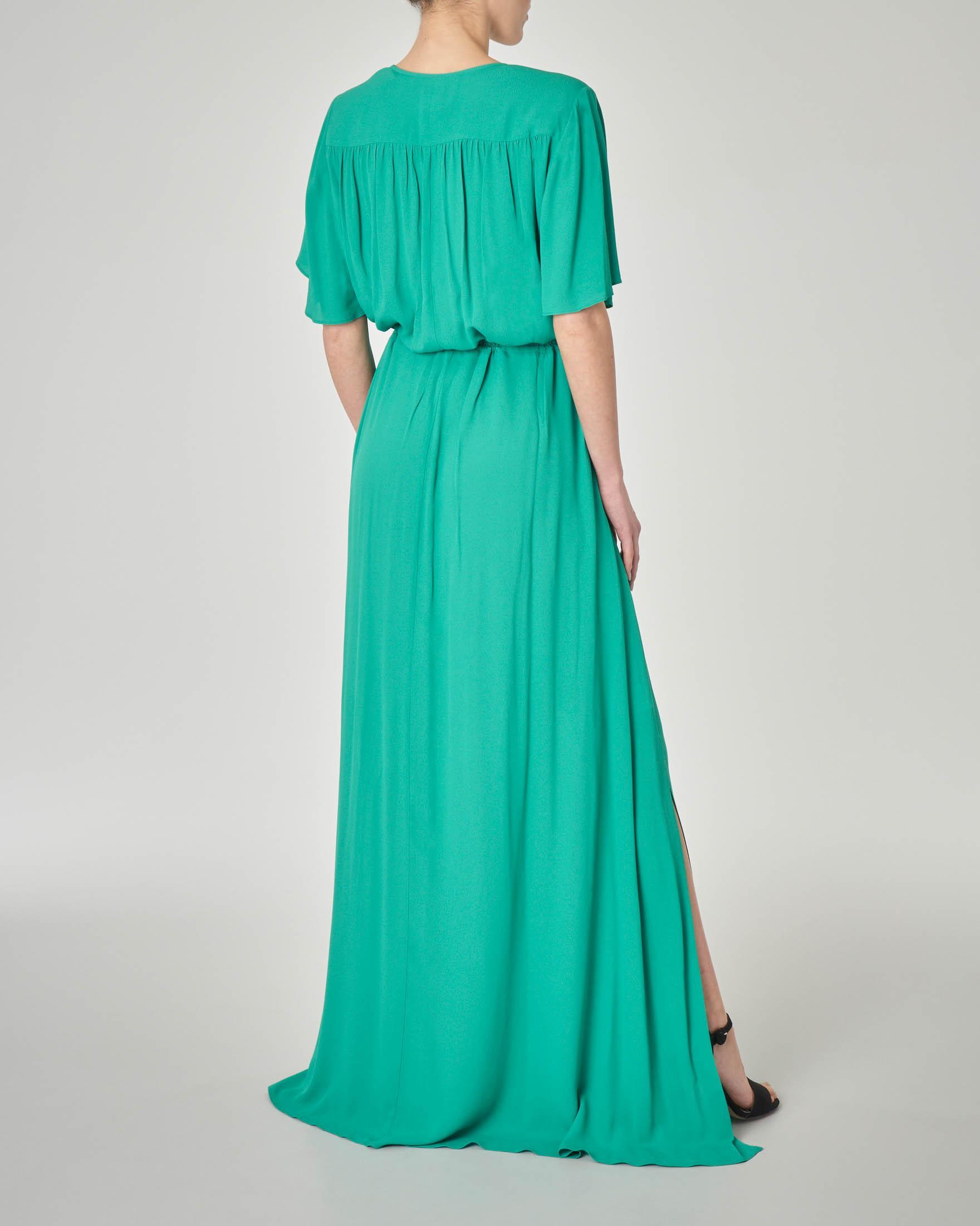 Abito lungo in viscosa verde brillante con cintura in vita e scollo a V