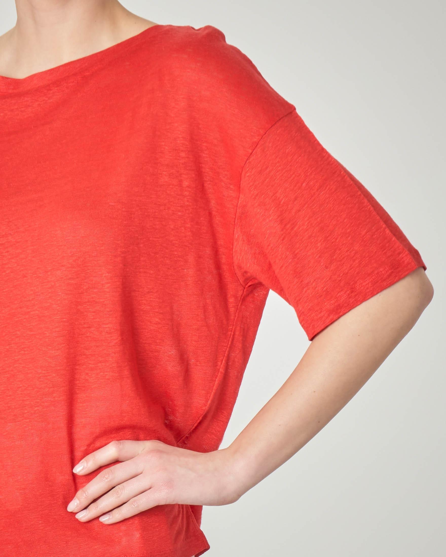 T-shirt rossa in lino con maniche tre quarti