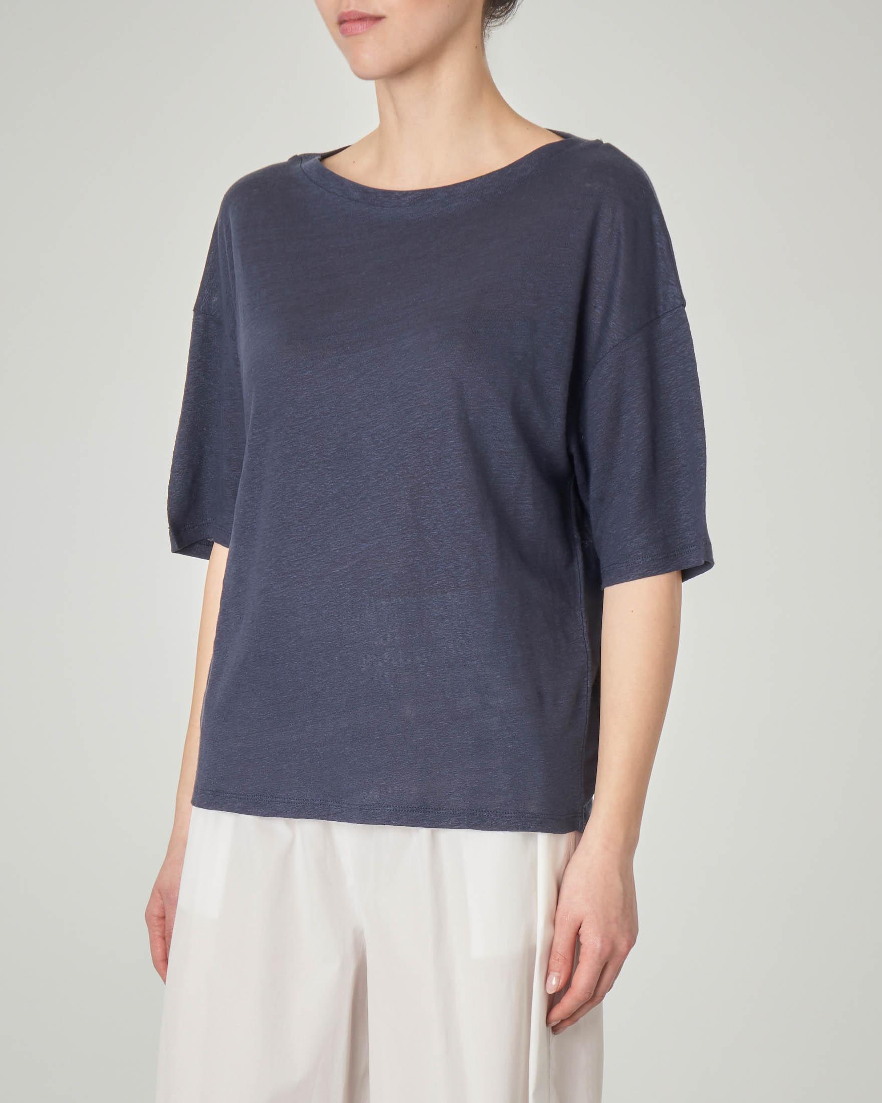 T-shirt blu in lino con maniche tre quarti