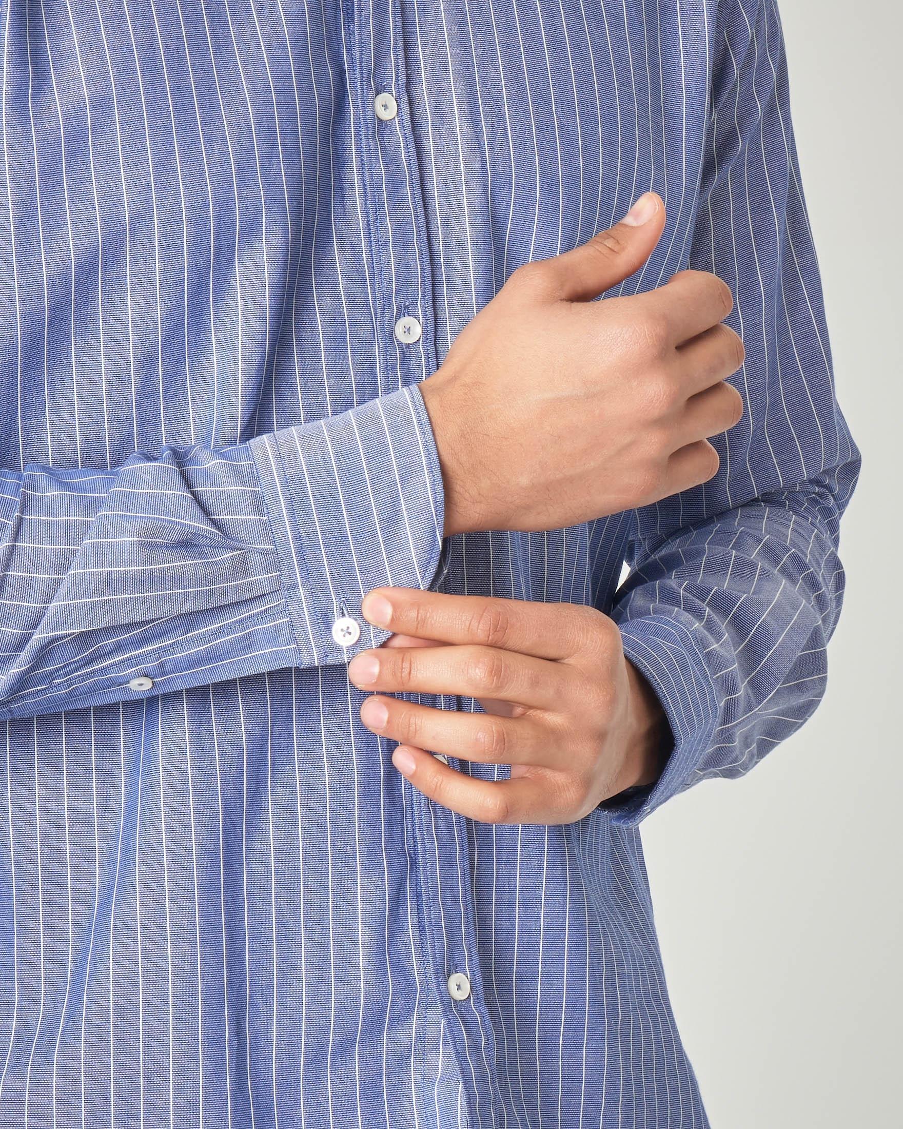 Camicia coreana blu indaco con riga bianca