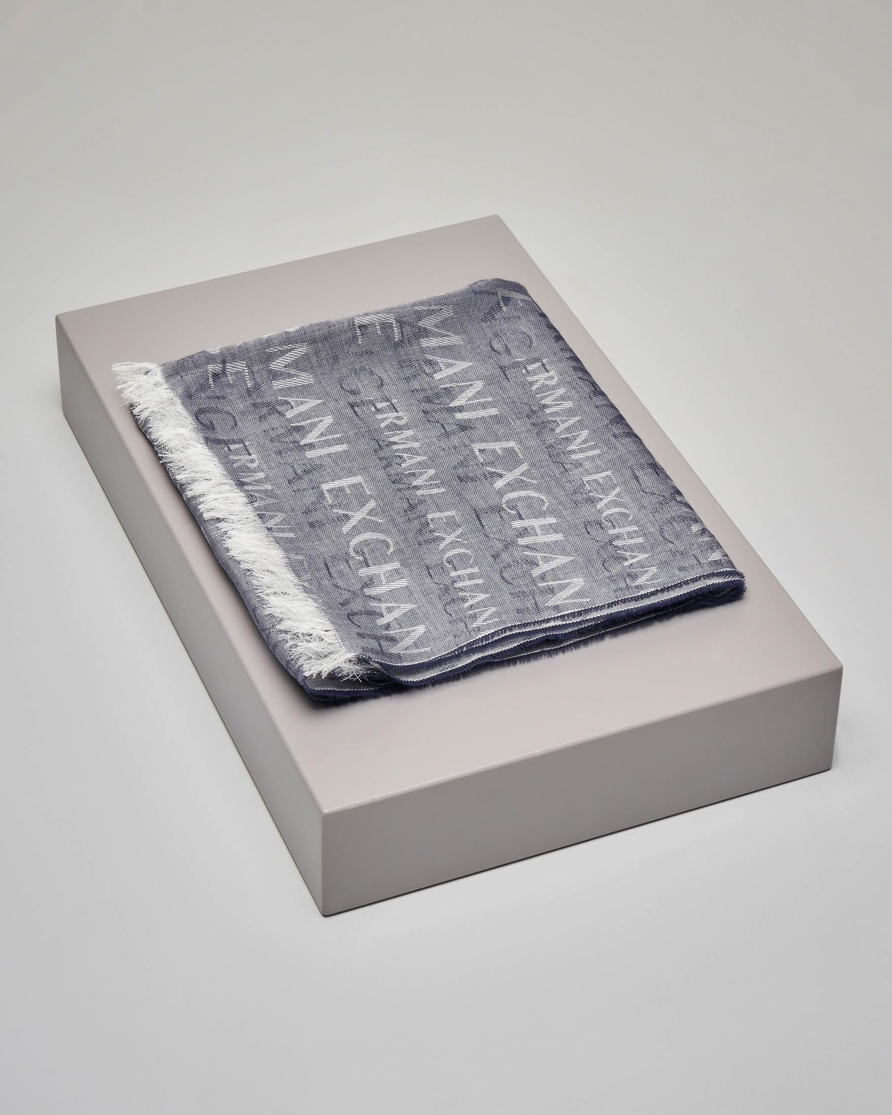 Sciarpa blu in cotone e modal con logo all over