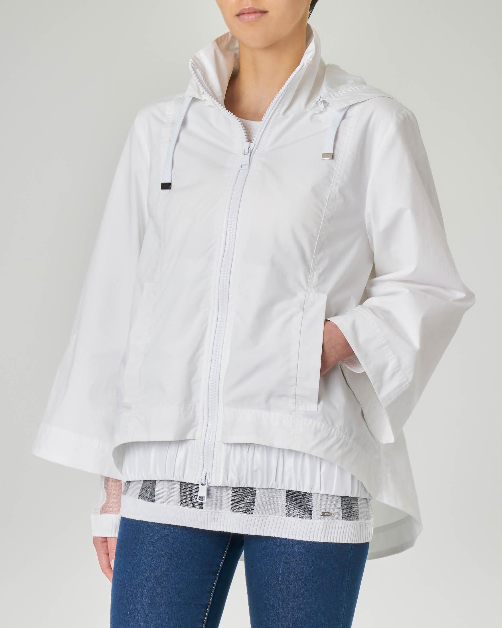 Giubbino bianco in cotone con cappuccio e maniche a kimono