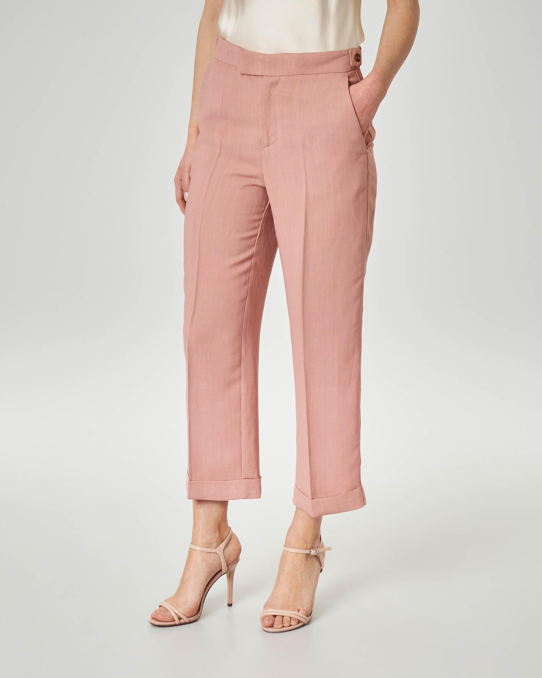 Pantaloni in lino colore rosa con risvolto