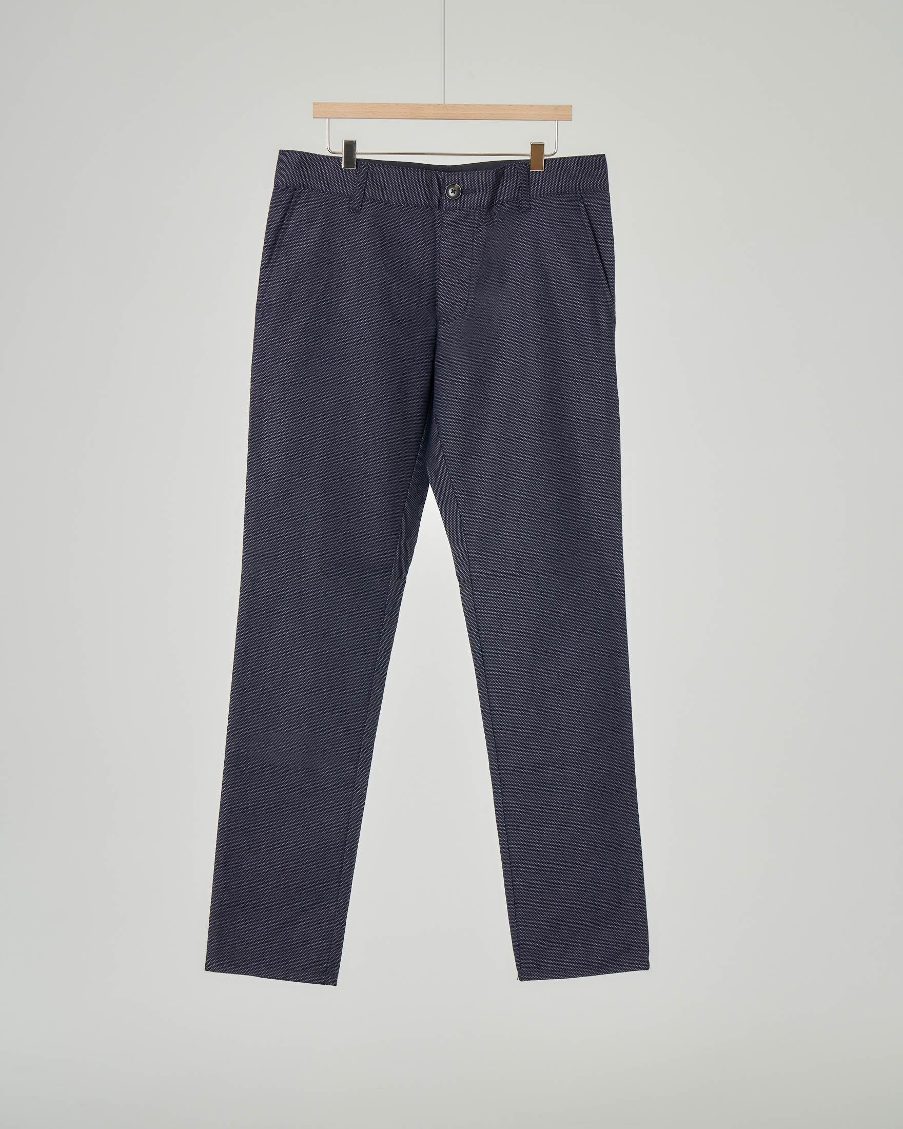 Pantalone chino blu tessuto operato