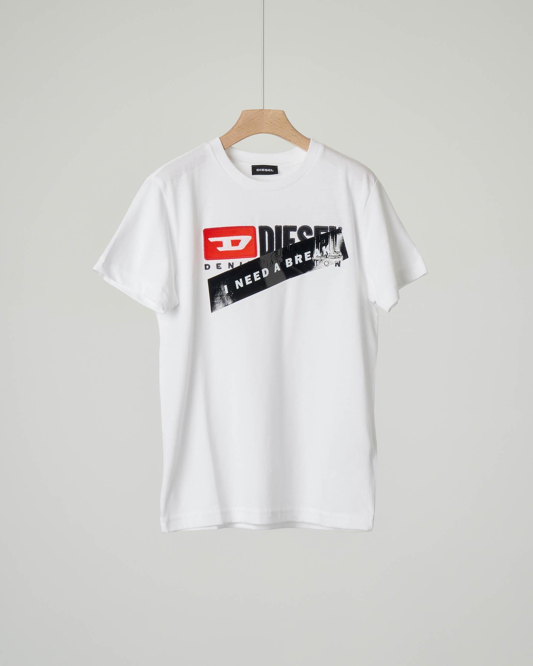 T-shirt bianca con logo e nastro lucido