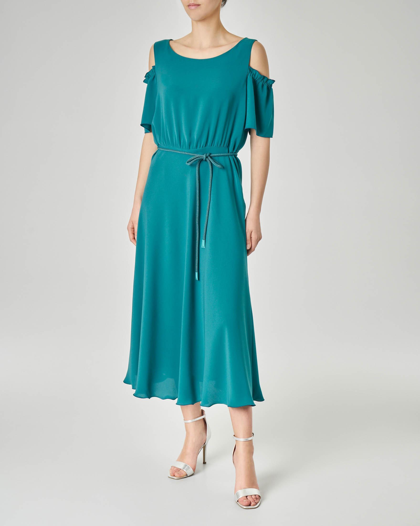 Abito midi color smeraldo in tessuto effetto crêpe di seta con apertura sulle spalle