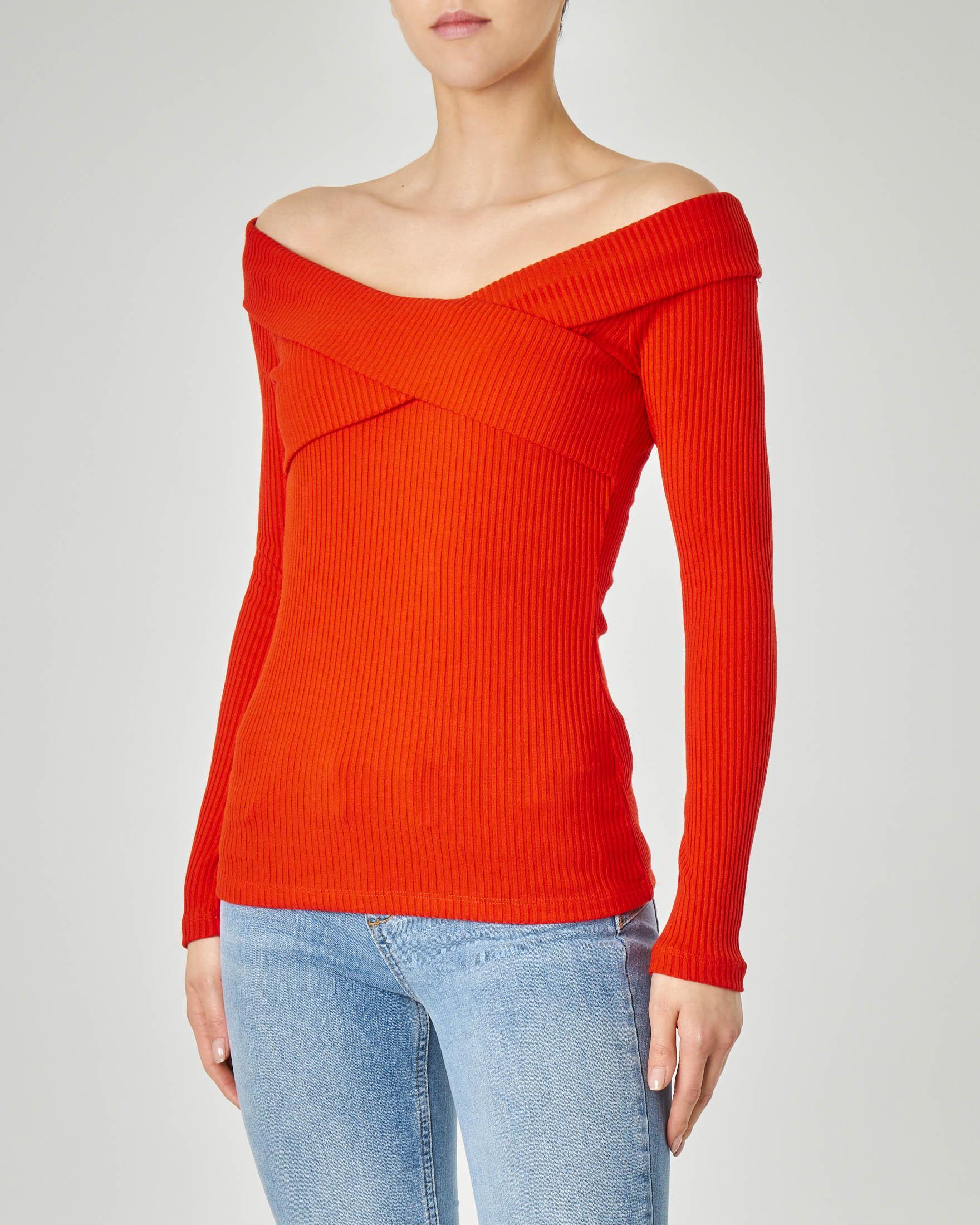 Maglia rossa in tessuto misto viscosa a costine con maniche lunghe e scollo a barchetta incrociato