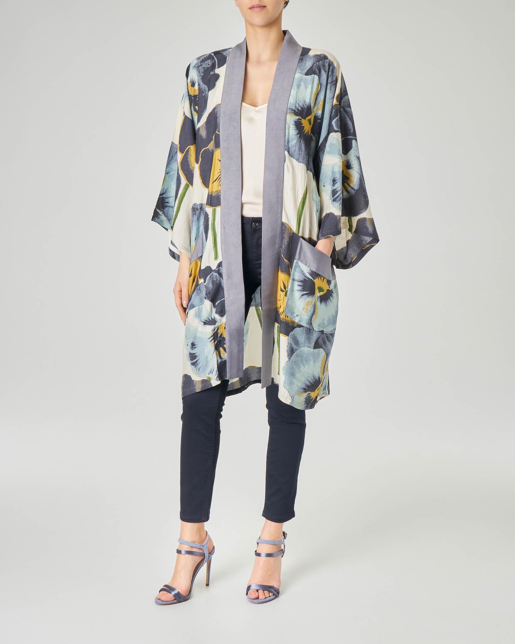 Kimono bluette in viscosa misto modal con stampa floreale