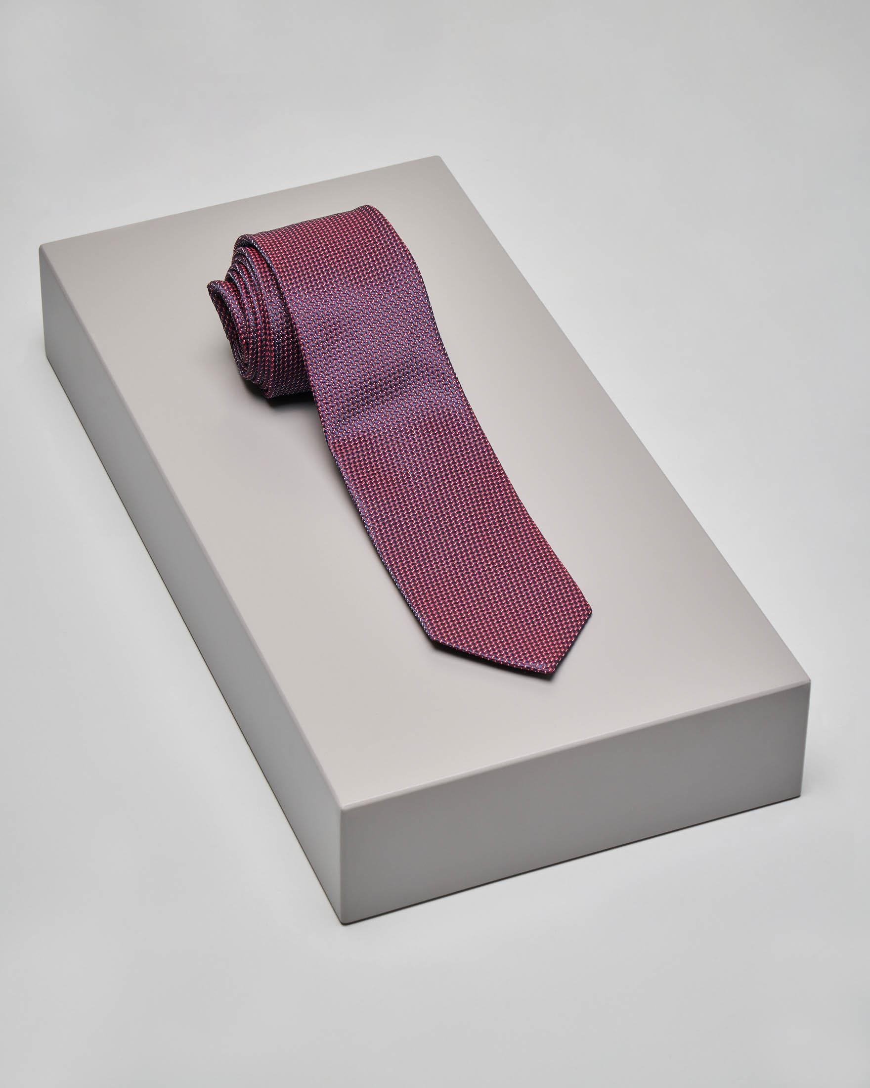 Cravatta rossa con micro-disegni jacquard