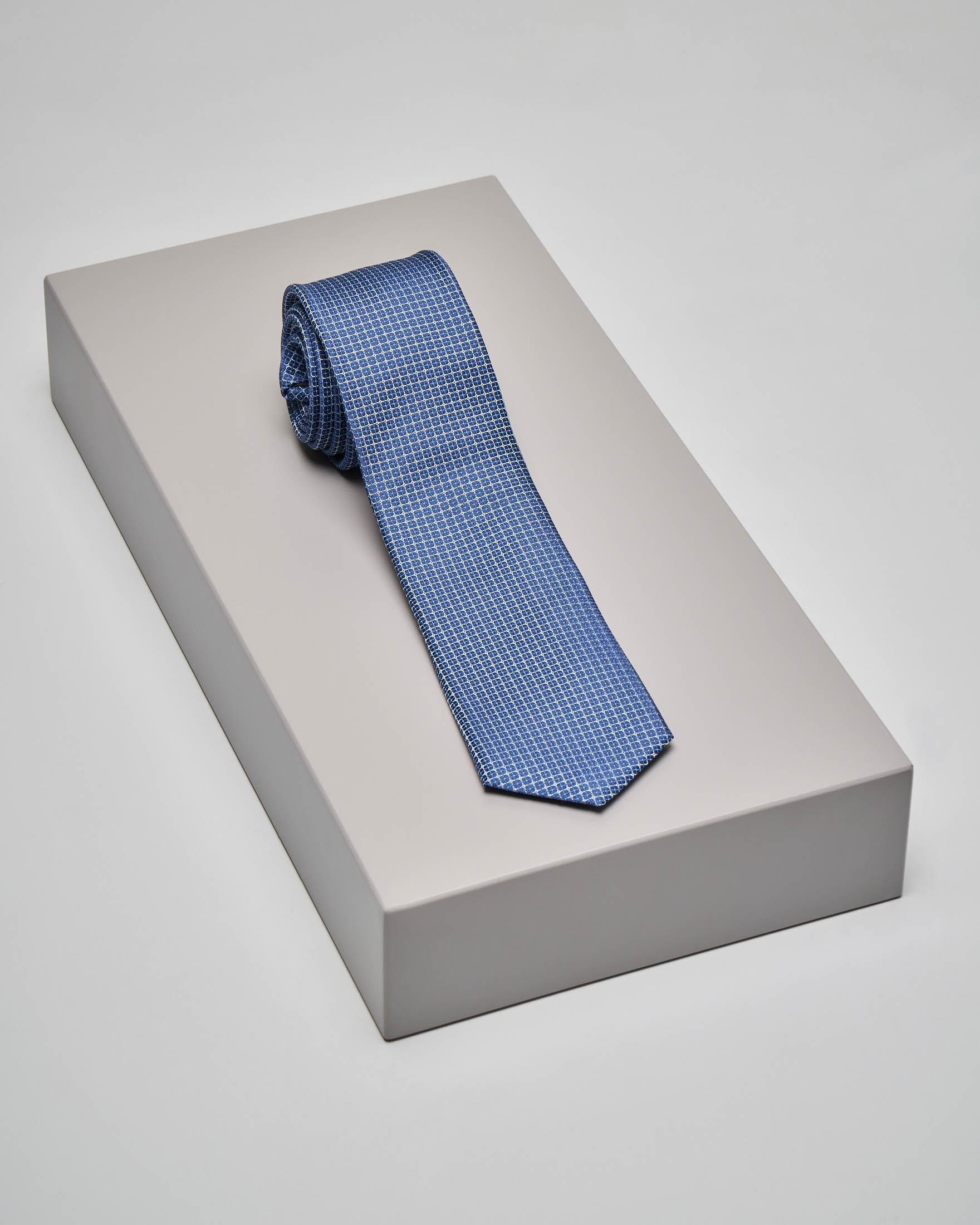 Cravatta blu indaco con fantasia jacquard