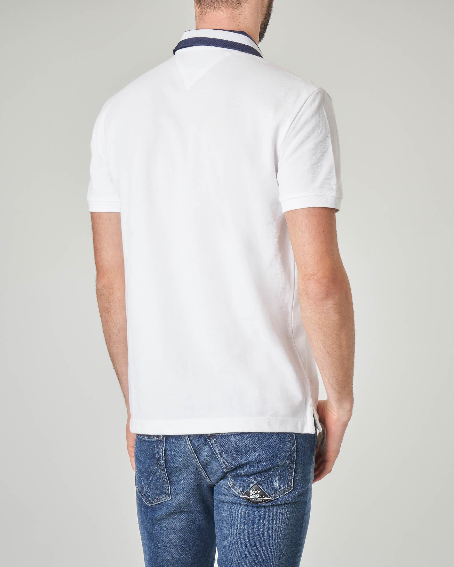 Polo bianca con colletto in contrasto