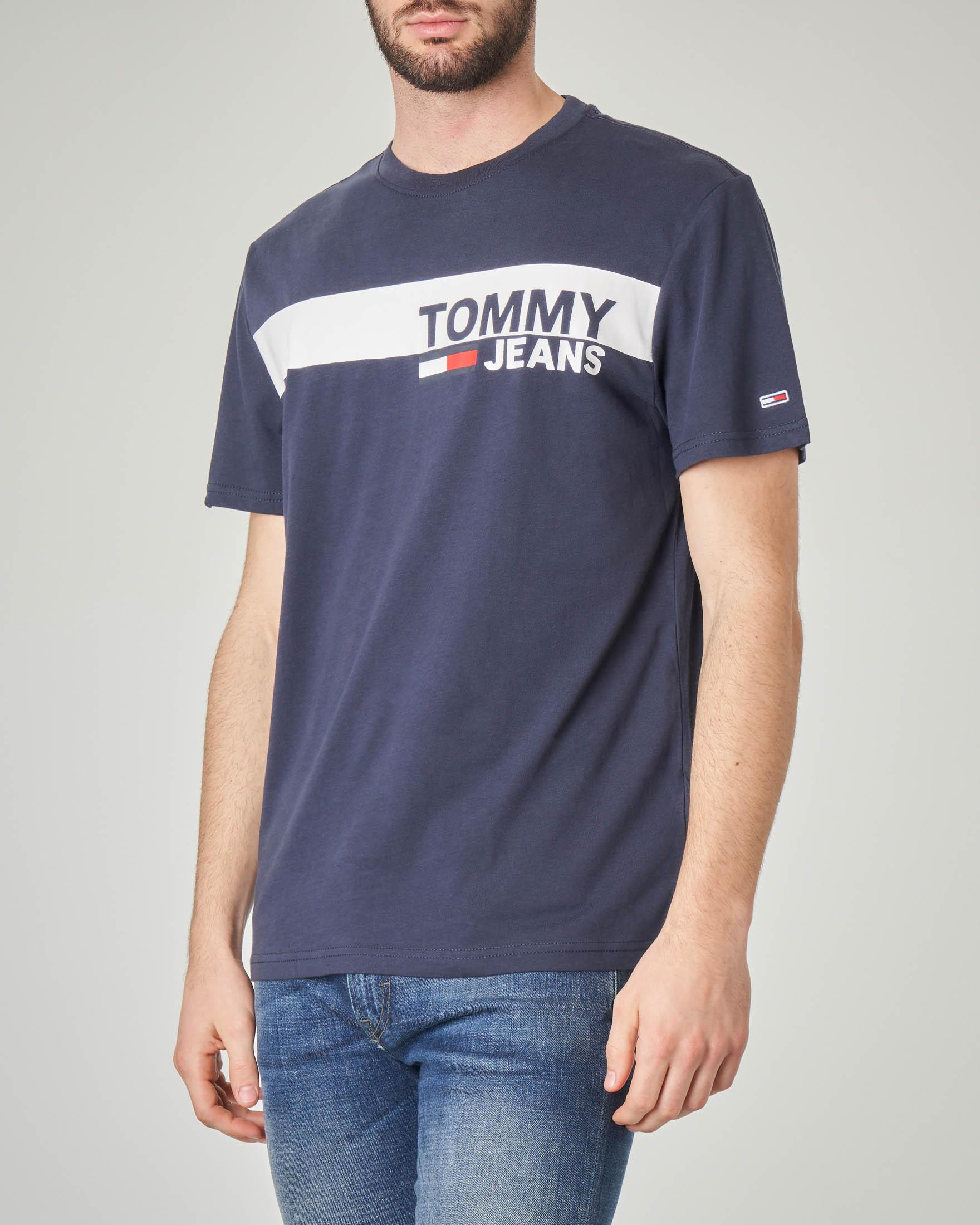 T-shirt blu con fascia bianca e logo