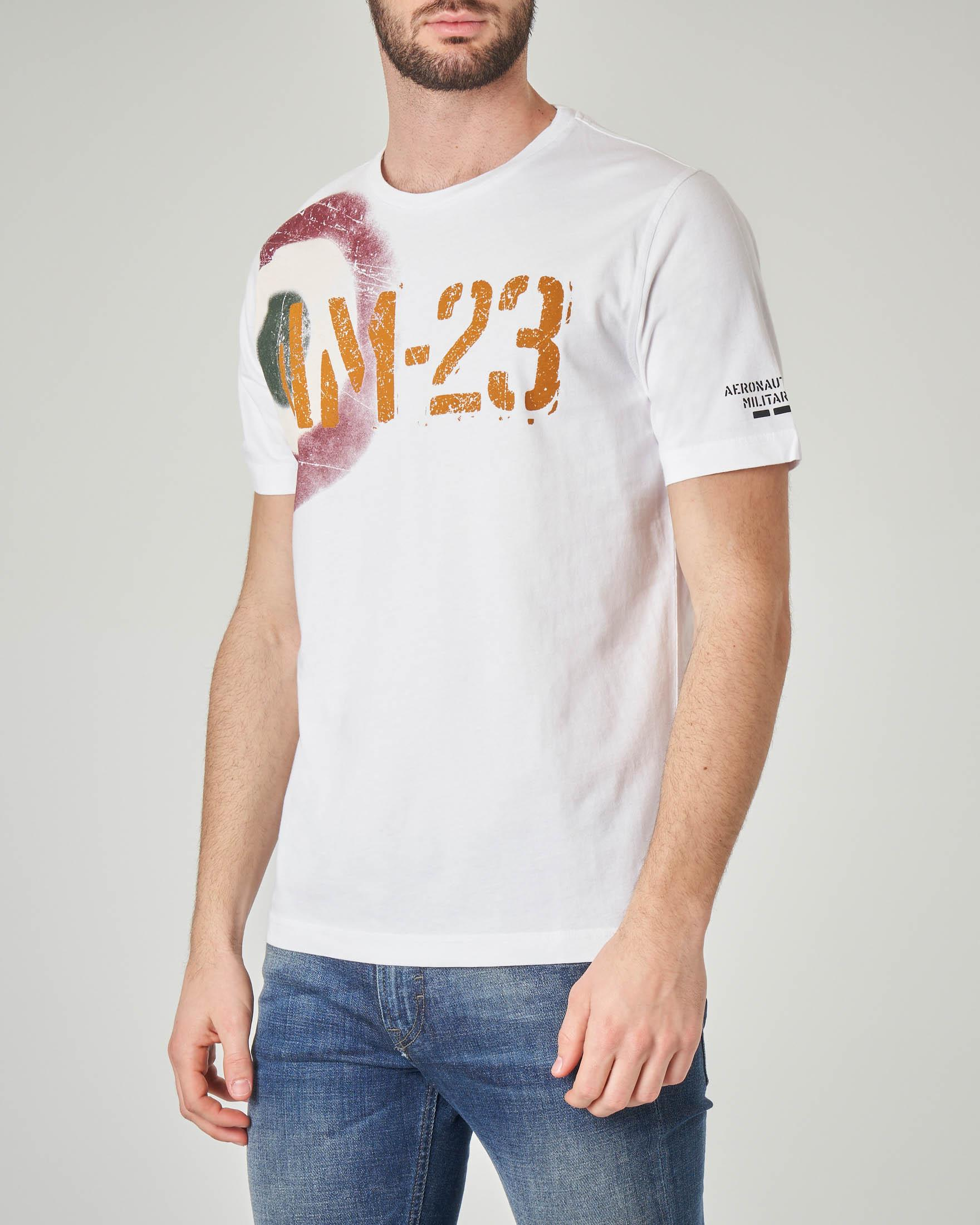 T-shirt bianca con stampa coccarda