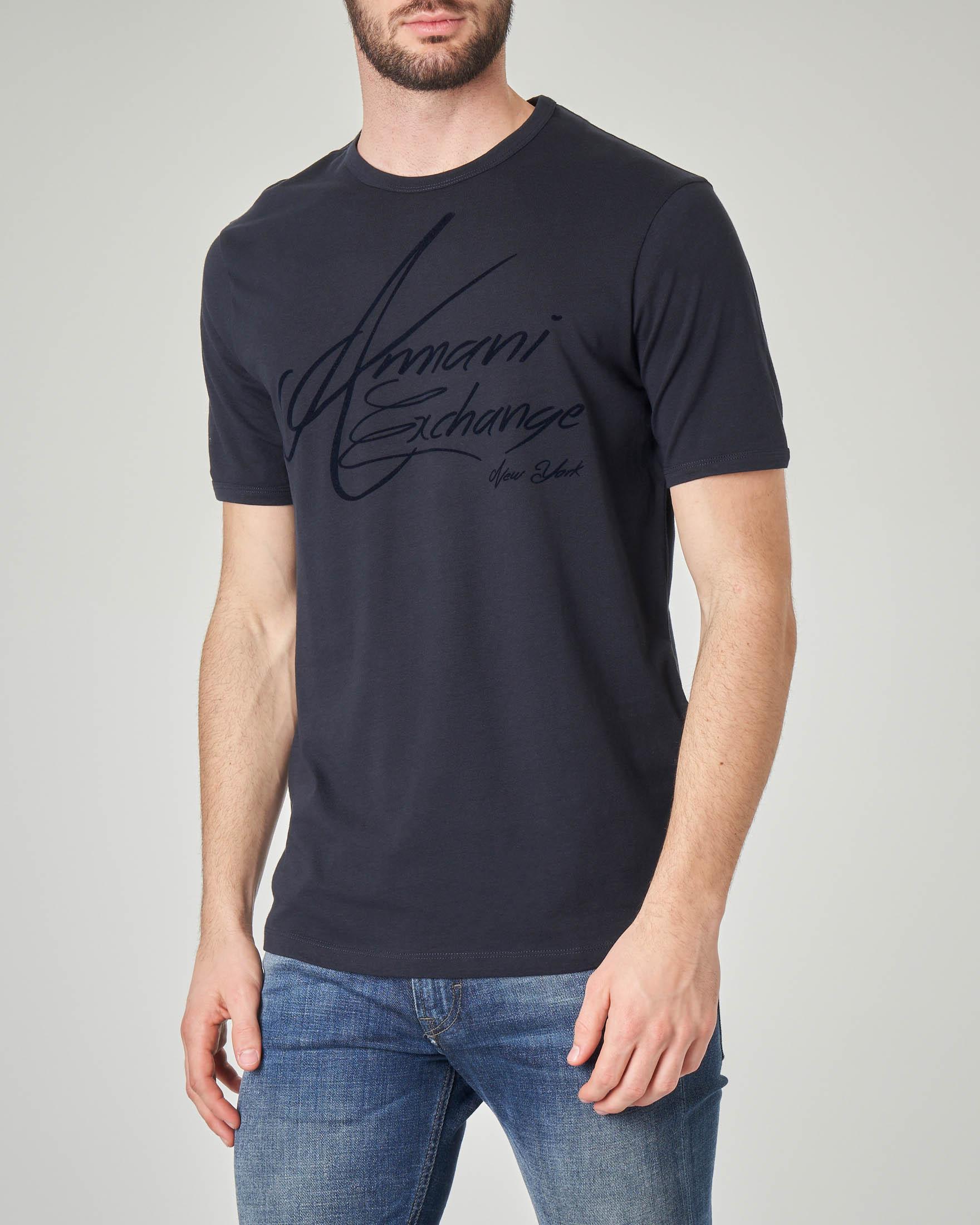 T-shirt blu con logo firmato
