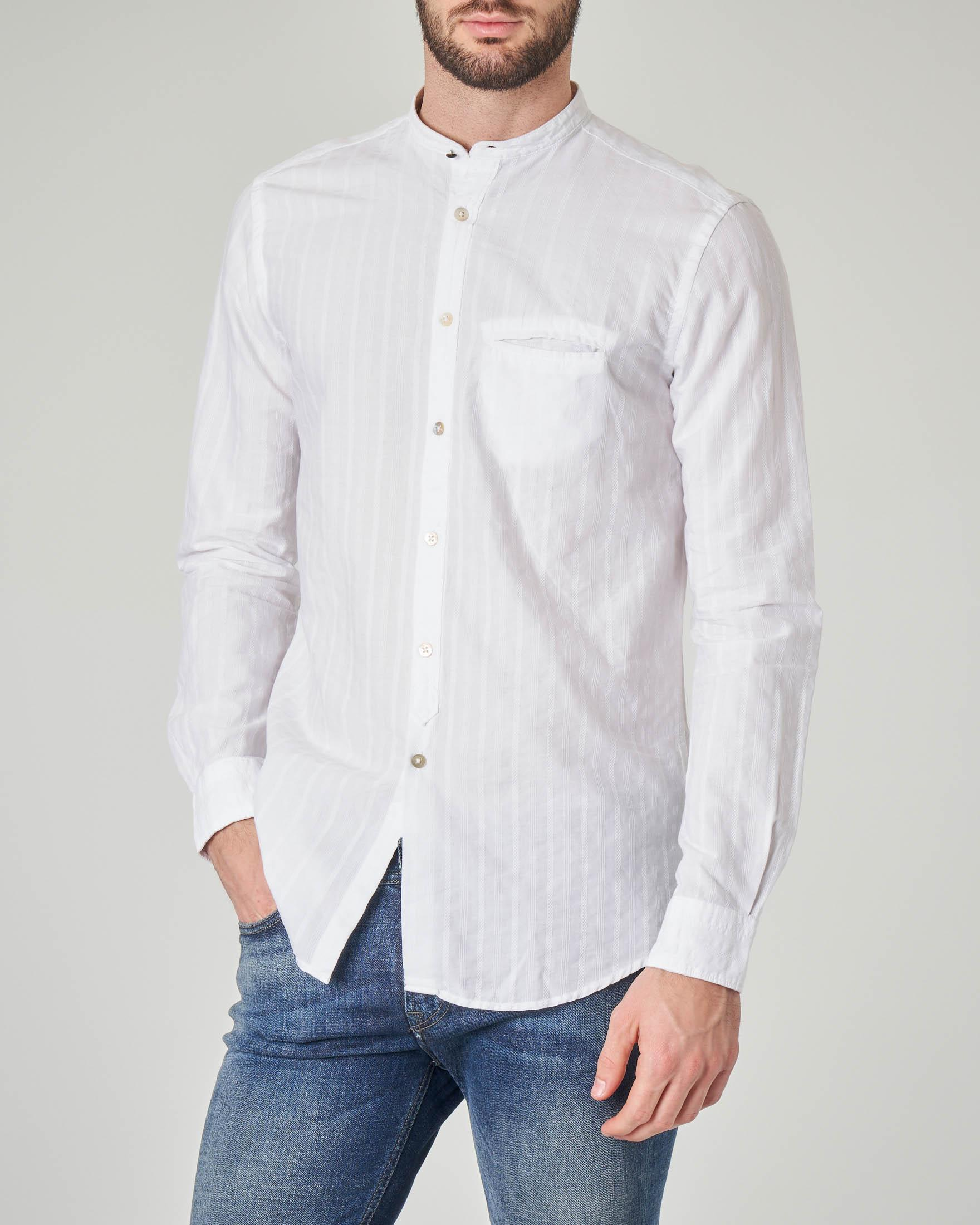Camicia bianca coreana con taschino