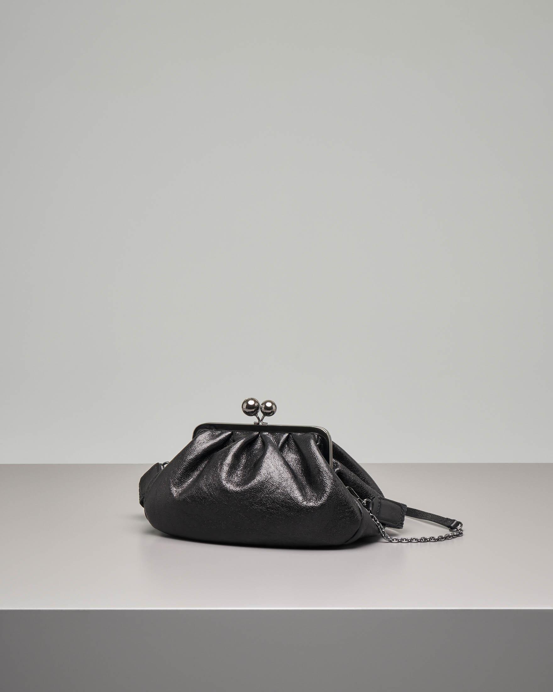 Pasticcino bag modello Lola misura media in pelle nera
