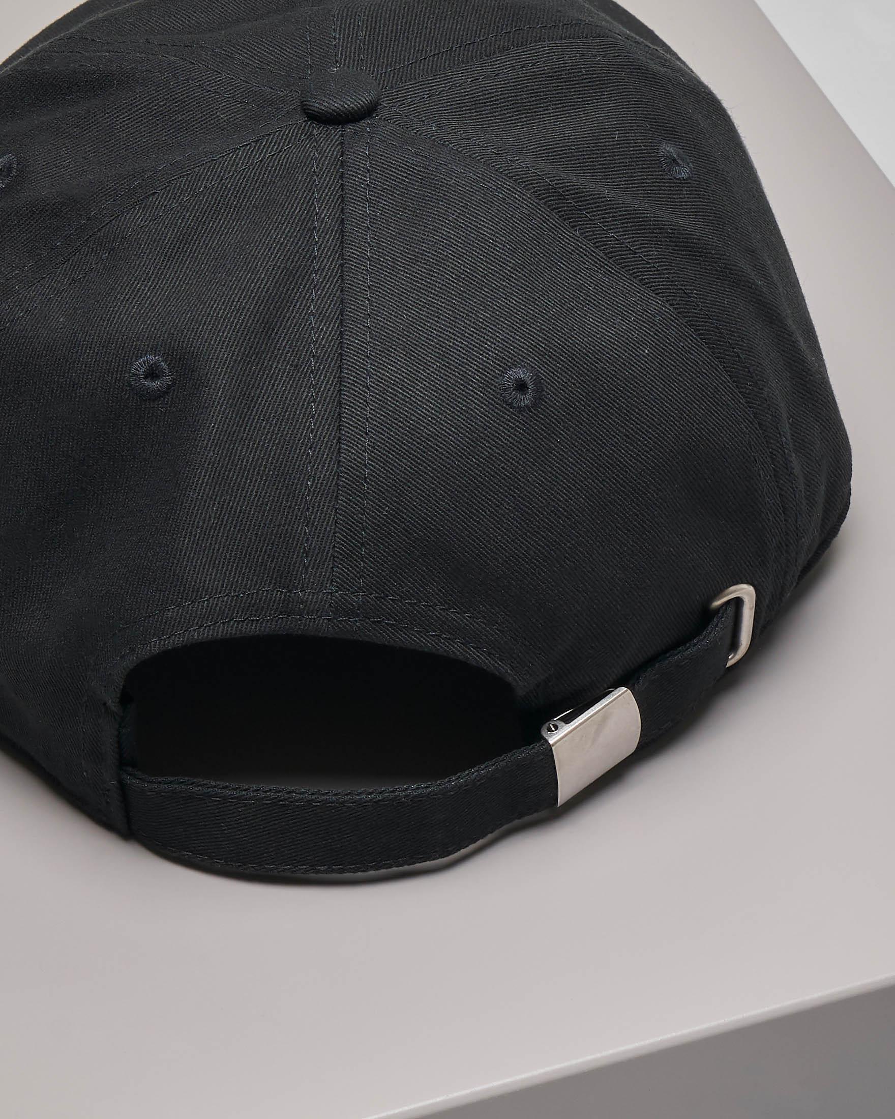 Cappellino in twill di cotone nero con visiera e logo a contrasto