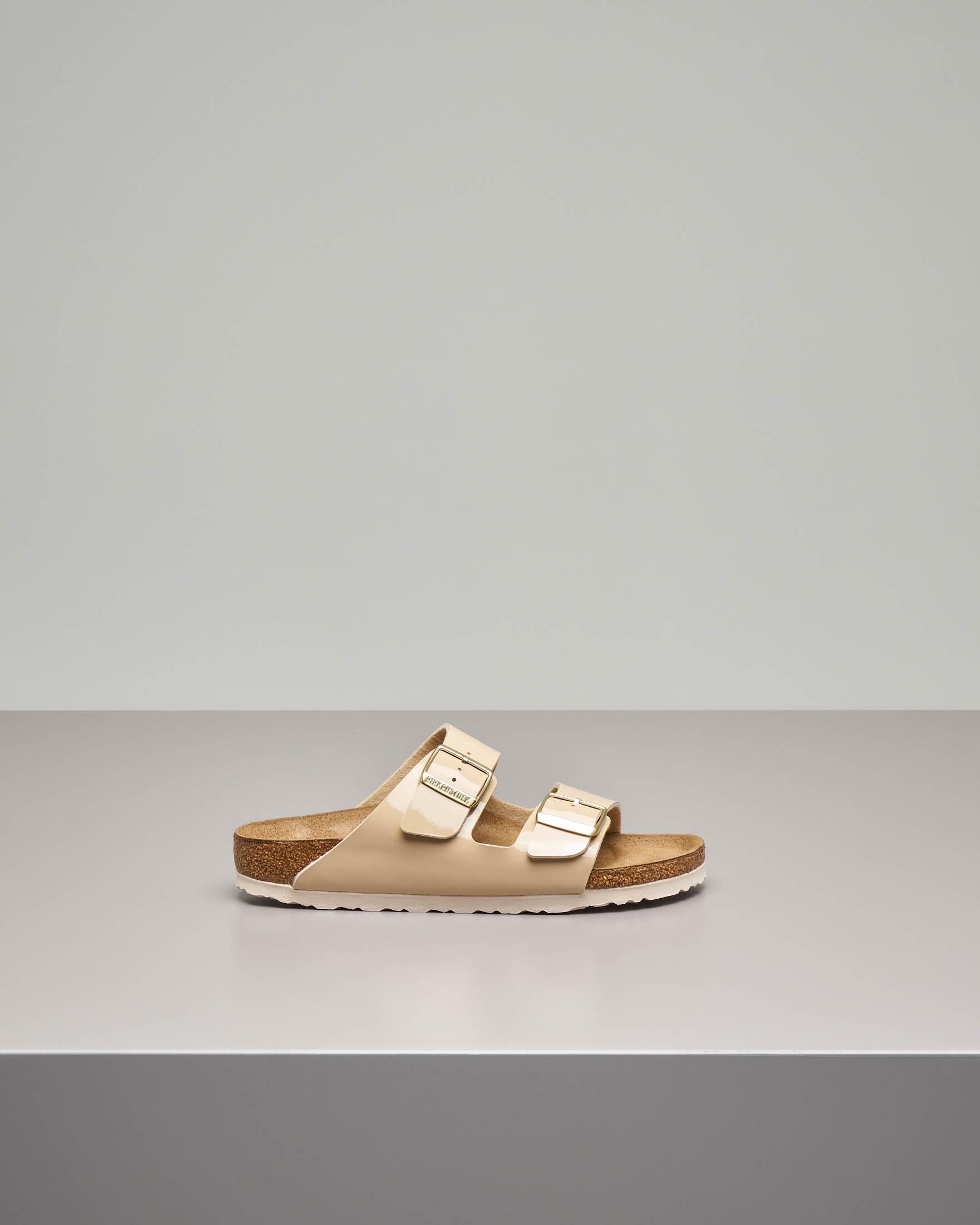 Sandalo Arizona in Birko flor effetto lucido beige con doppia fascetta
