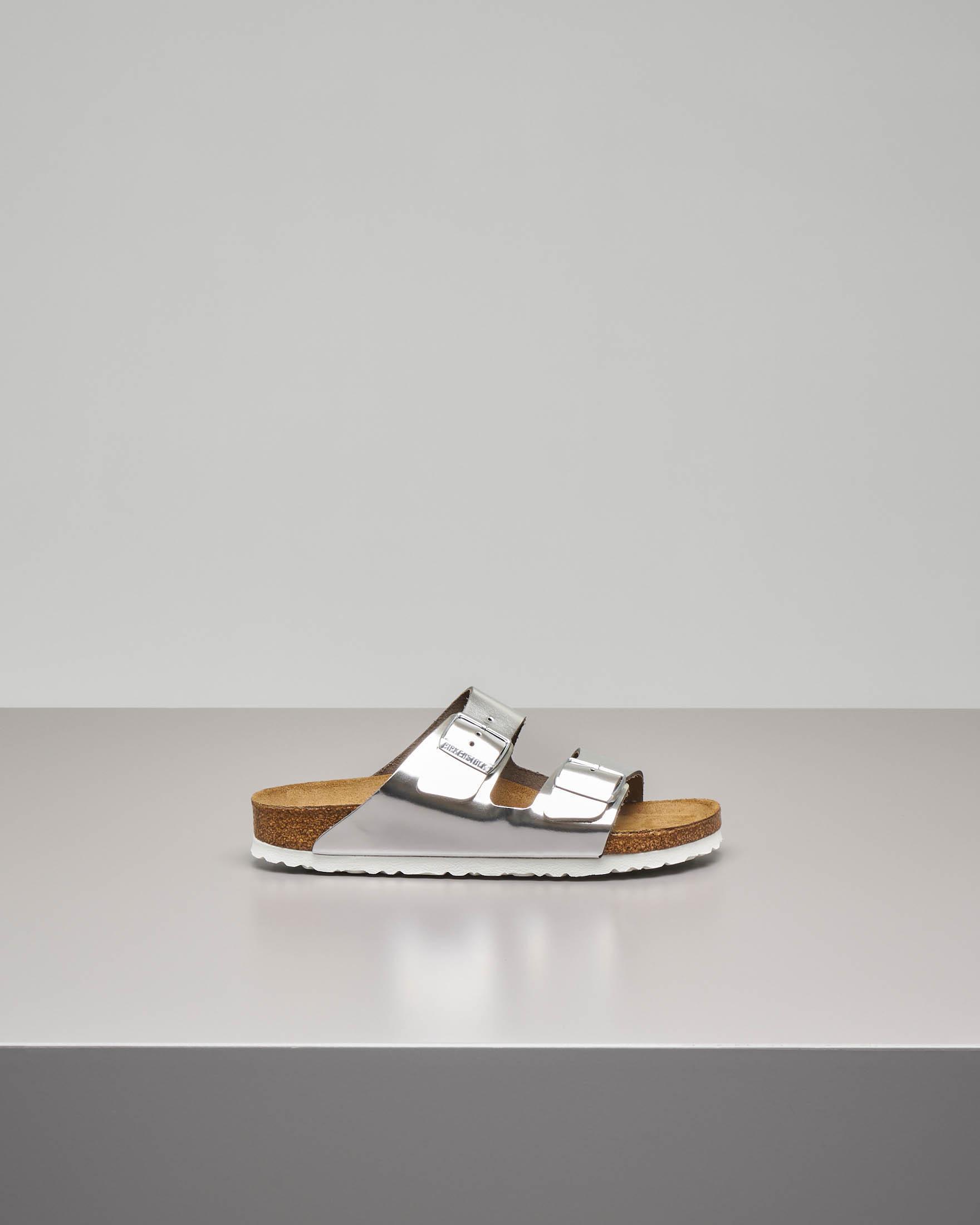 Sandalo Arizona in pelle color argento effetto laminato con doppia fascetta
