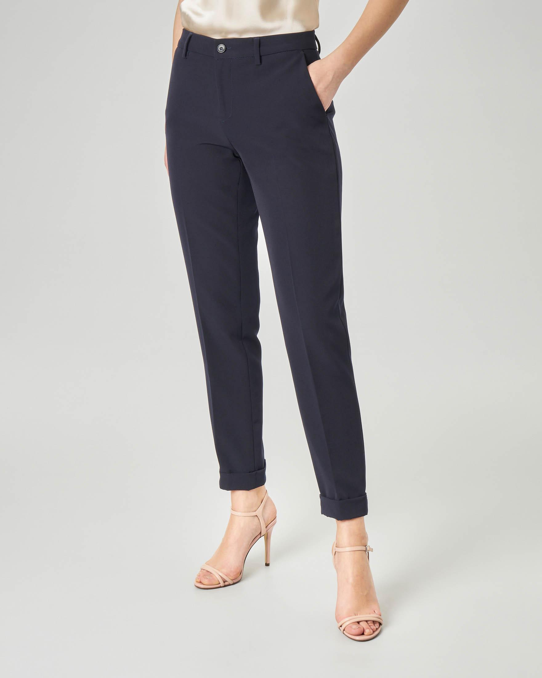 Pantaloni dritti blu in cady con risvolto