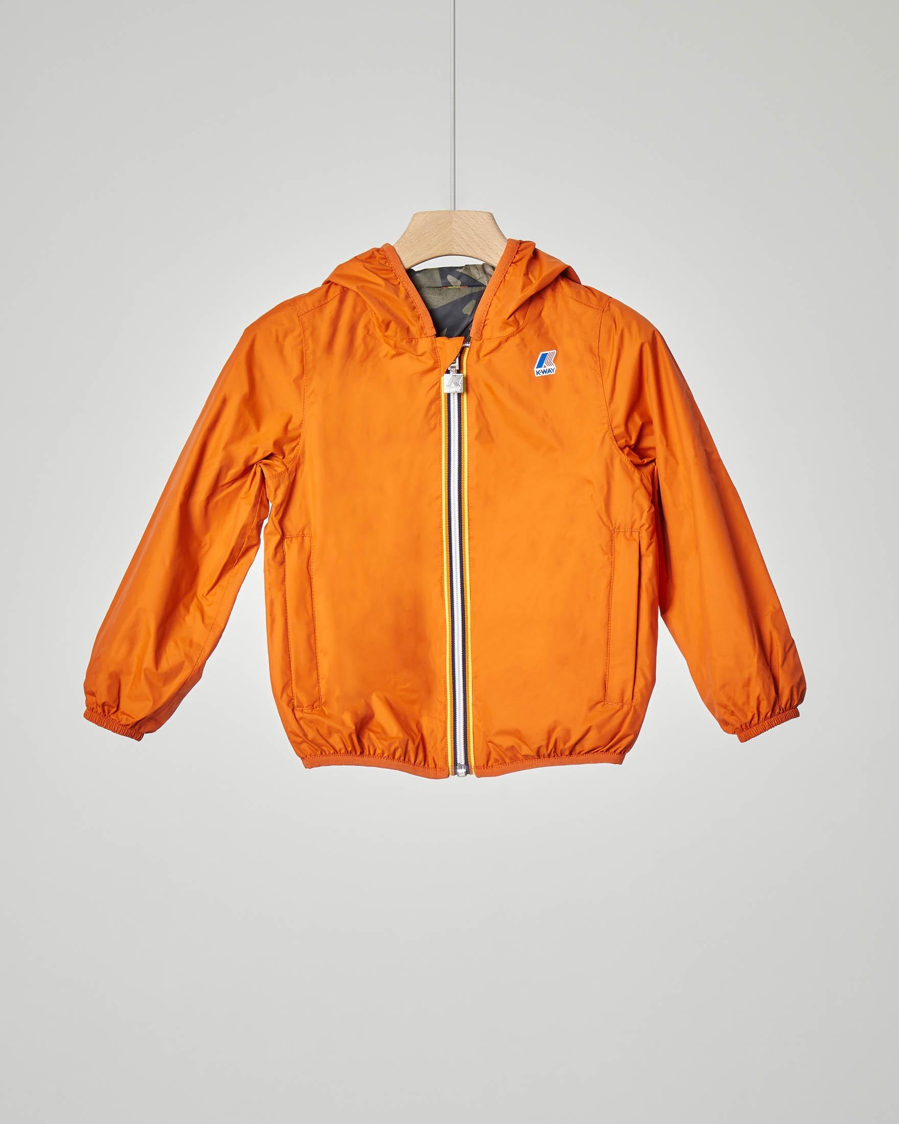 Giubbino arancio reversibile in fantasia camouflage