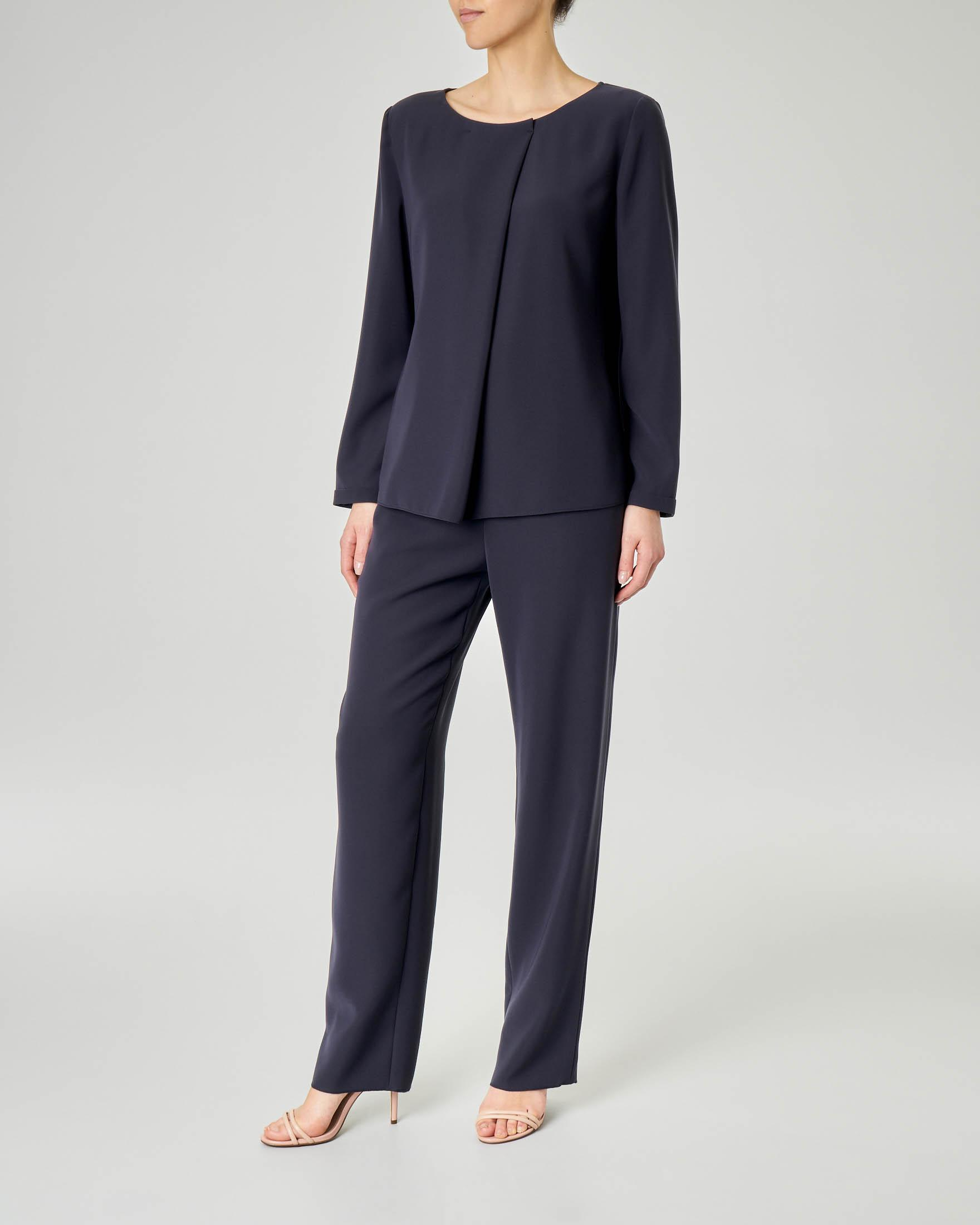 Completo giacca pantalone blu in cady con giacca senza bottoni
