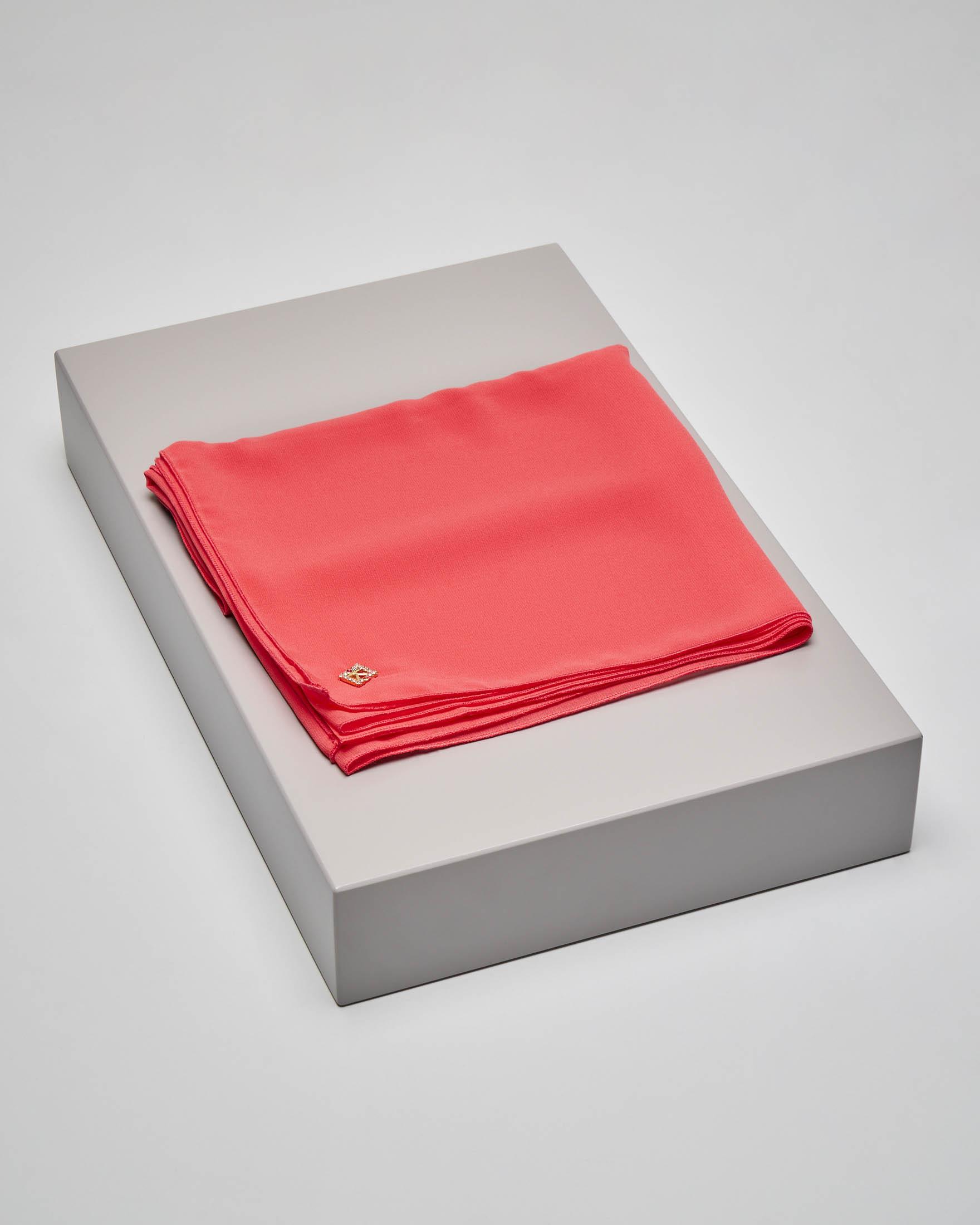 Stola color corallo in tessuto effetto chiffon di seta