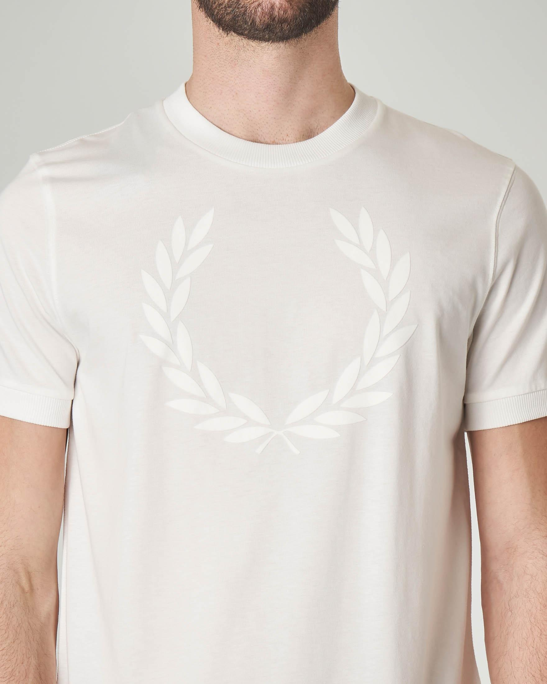 T-shirt bianca con logo in rilievo