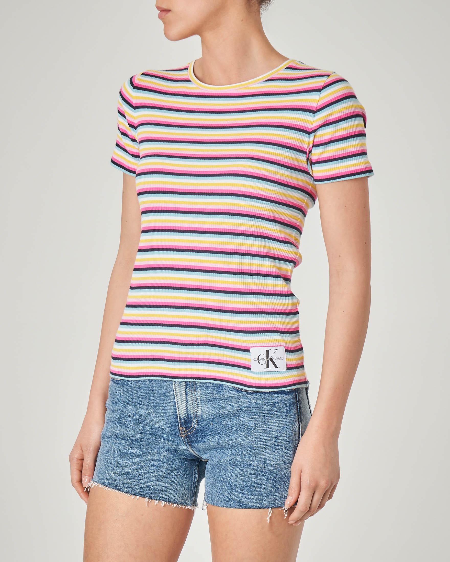 T-shirt girocollo a costine fantasia a righe multicolor in cotone elasticizzato