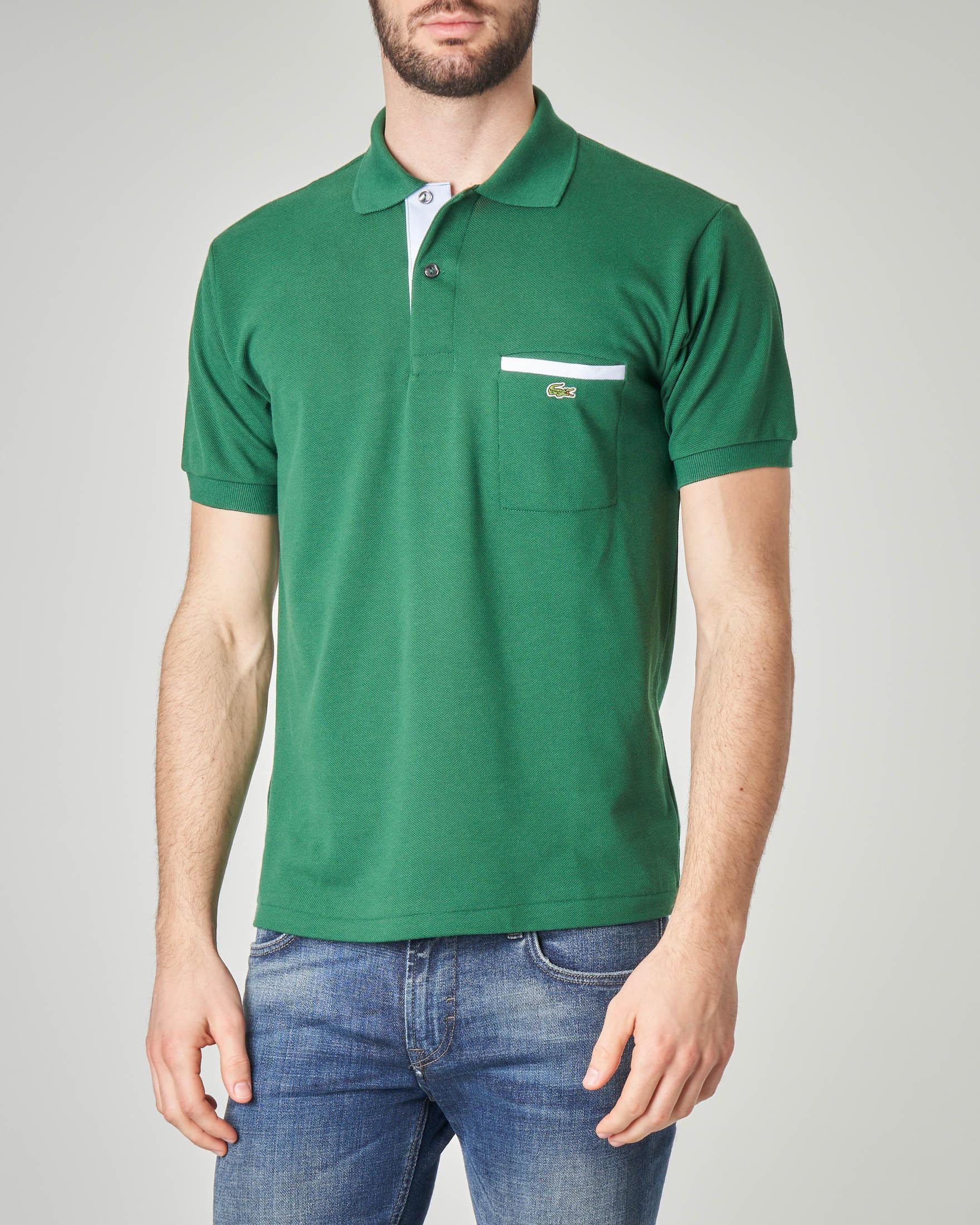 Polo verde con taschino