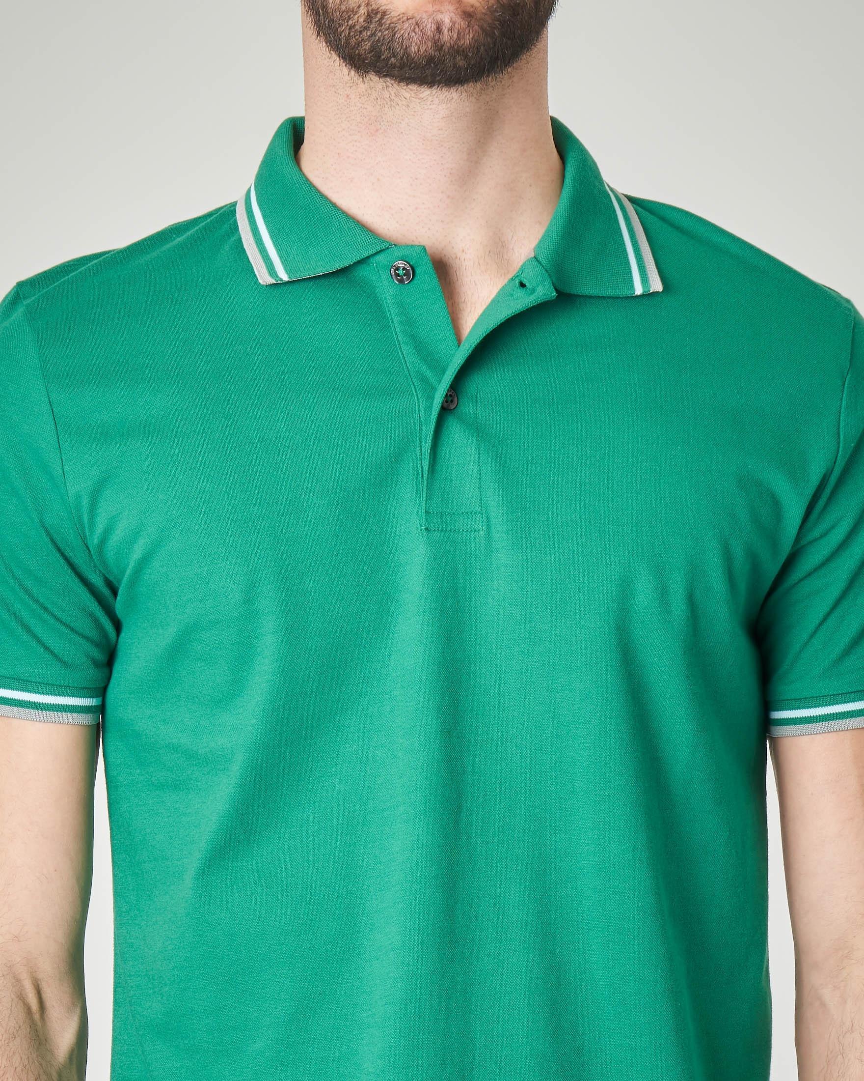 Polo verde con bordino