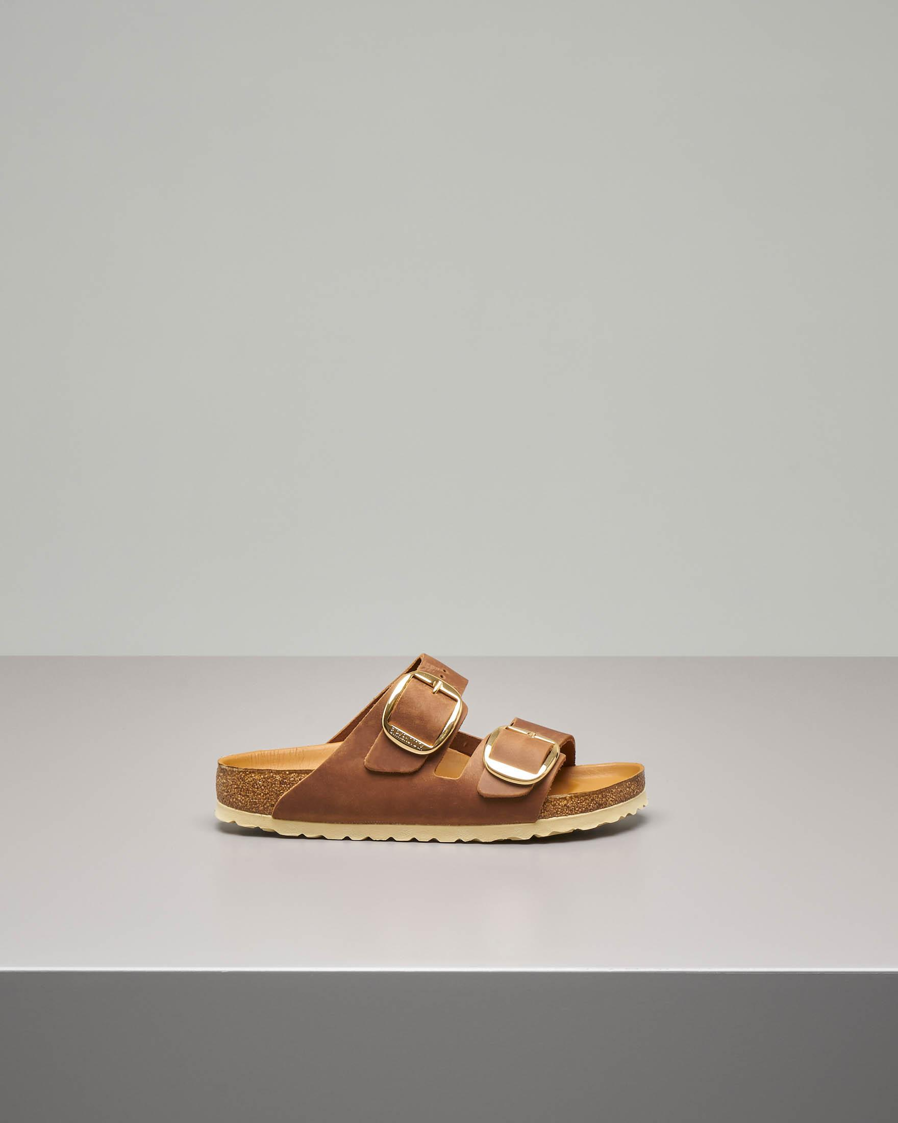 Sandalo Arizona Big buckle in pelle color cognac con doppia fascetta