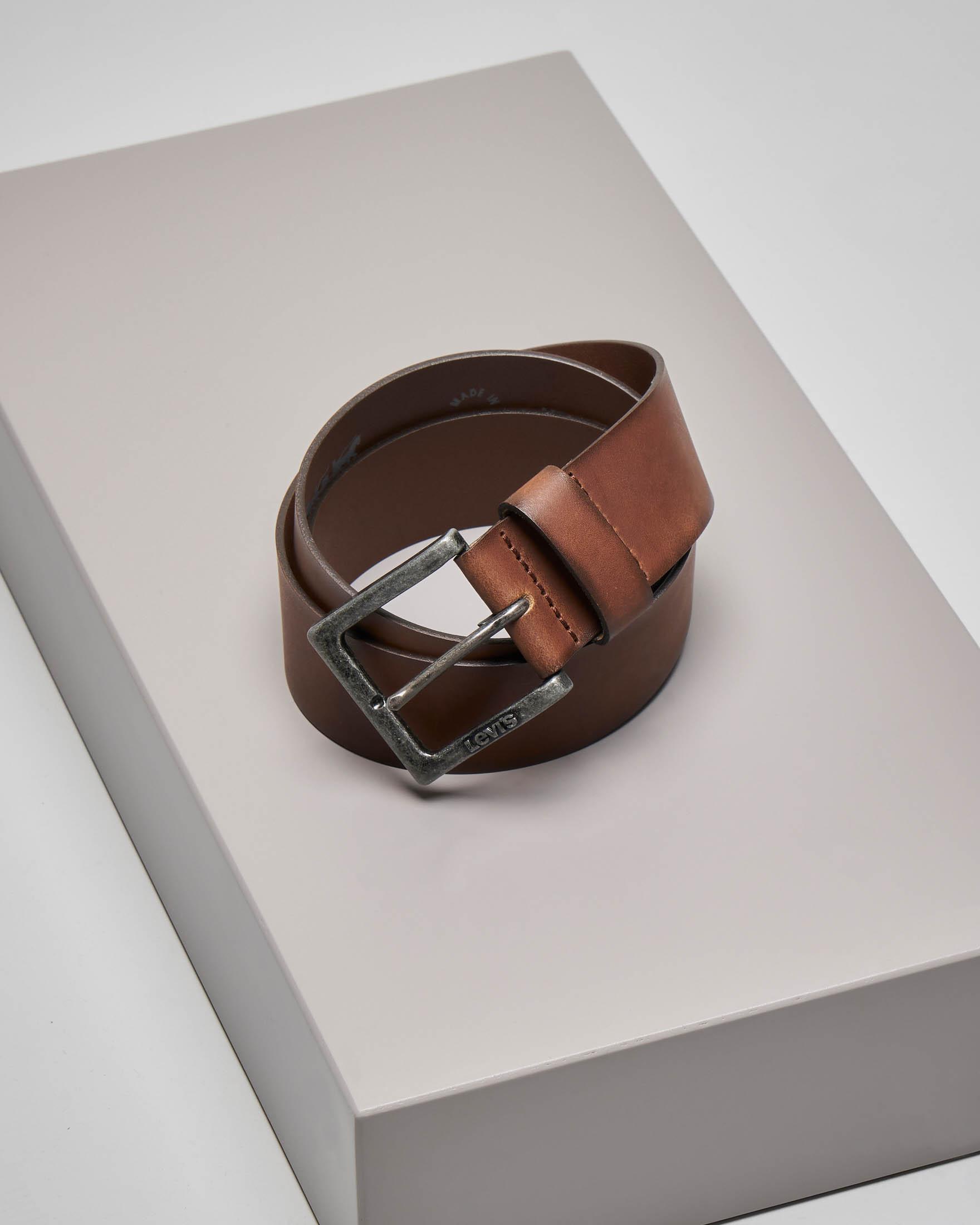 Cintura marrone in pelle con fibbia brunita effetto vintage