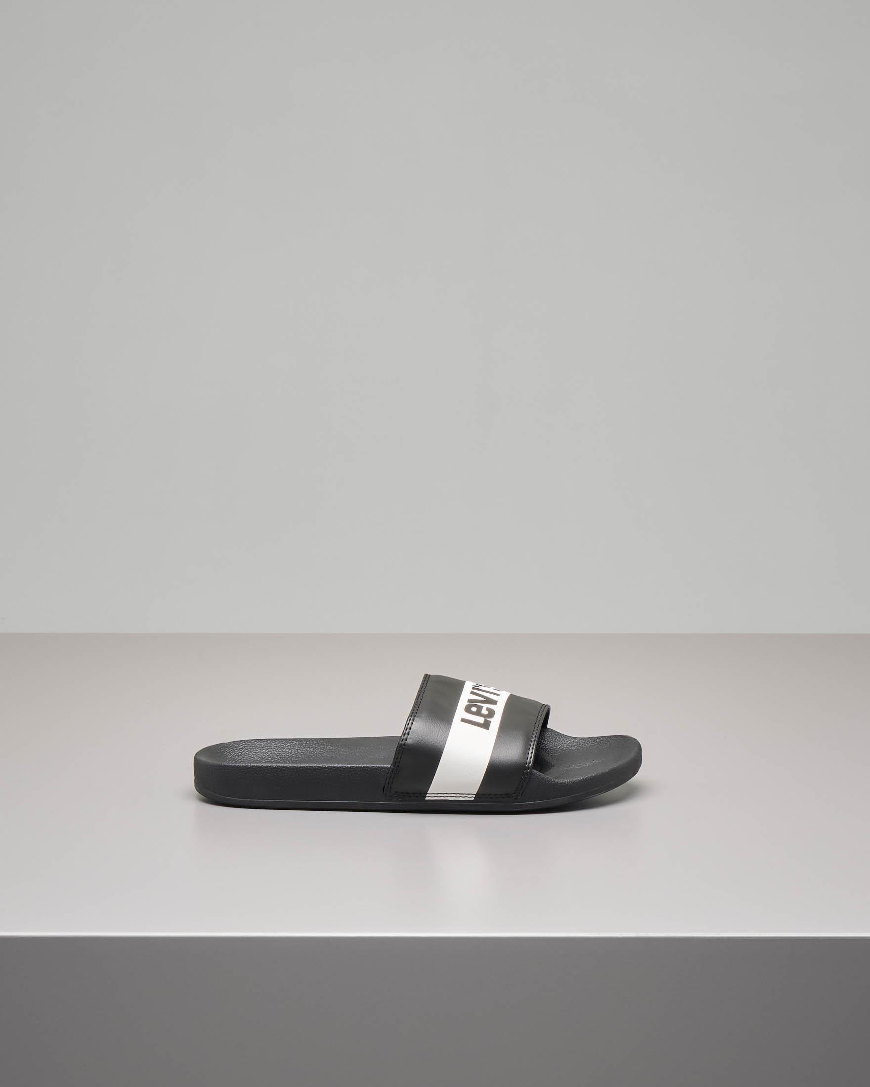 Ciabatta nera con fascia bianca e nera