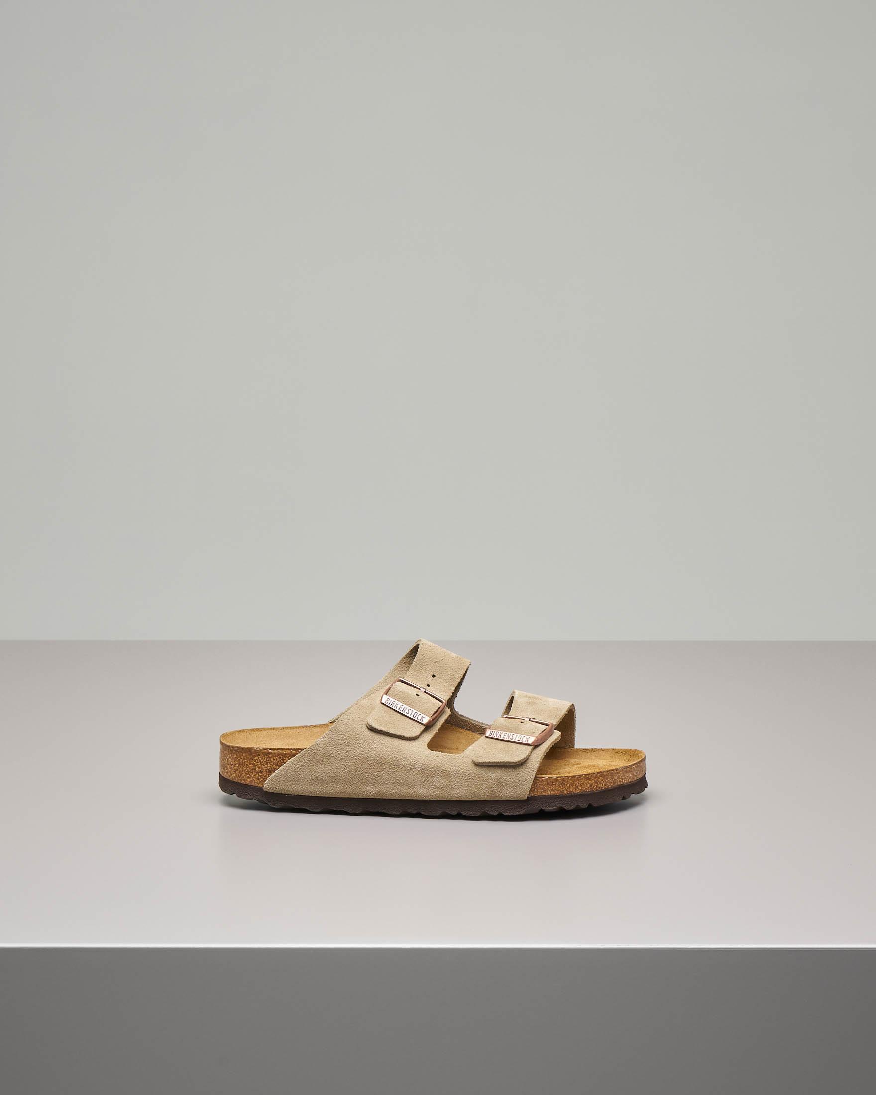 Sandalo Arizona soft in pelle scamosciata color beige con doppia fascetta