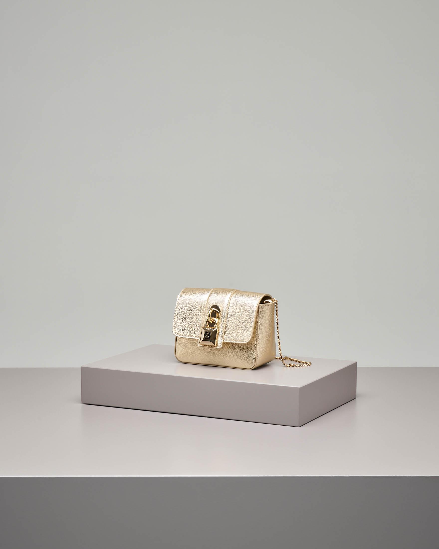 Cross bag mini in pelle oro con catena