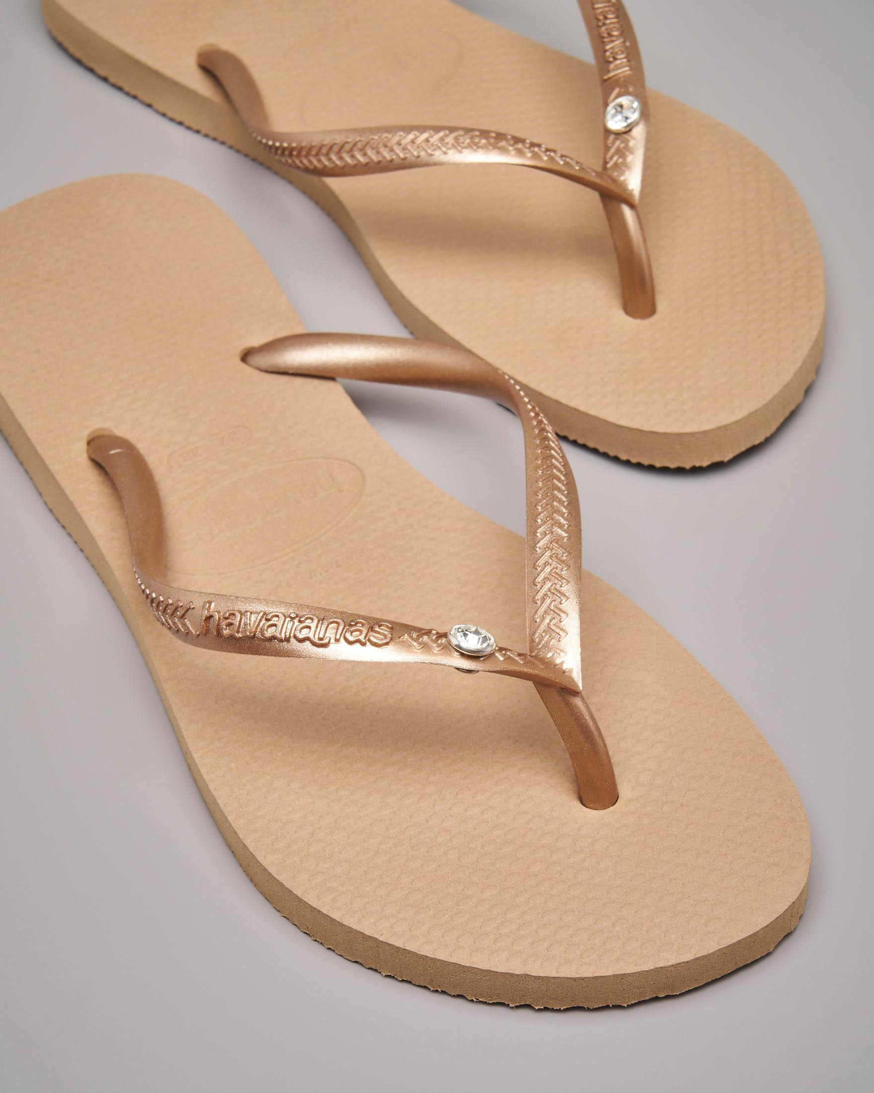 Havaianas Crystal Glamour color oro con logo tono su tono e strass applicato sulle fascette